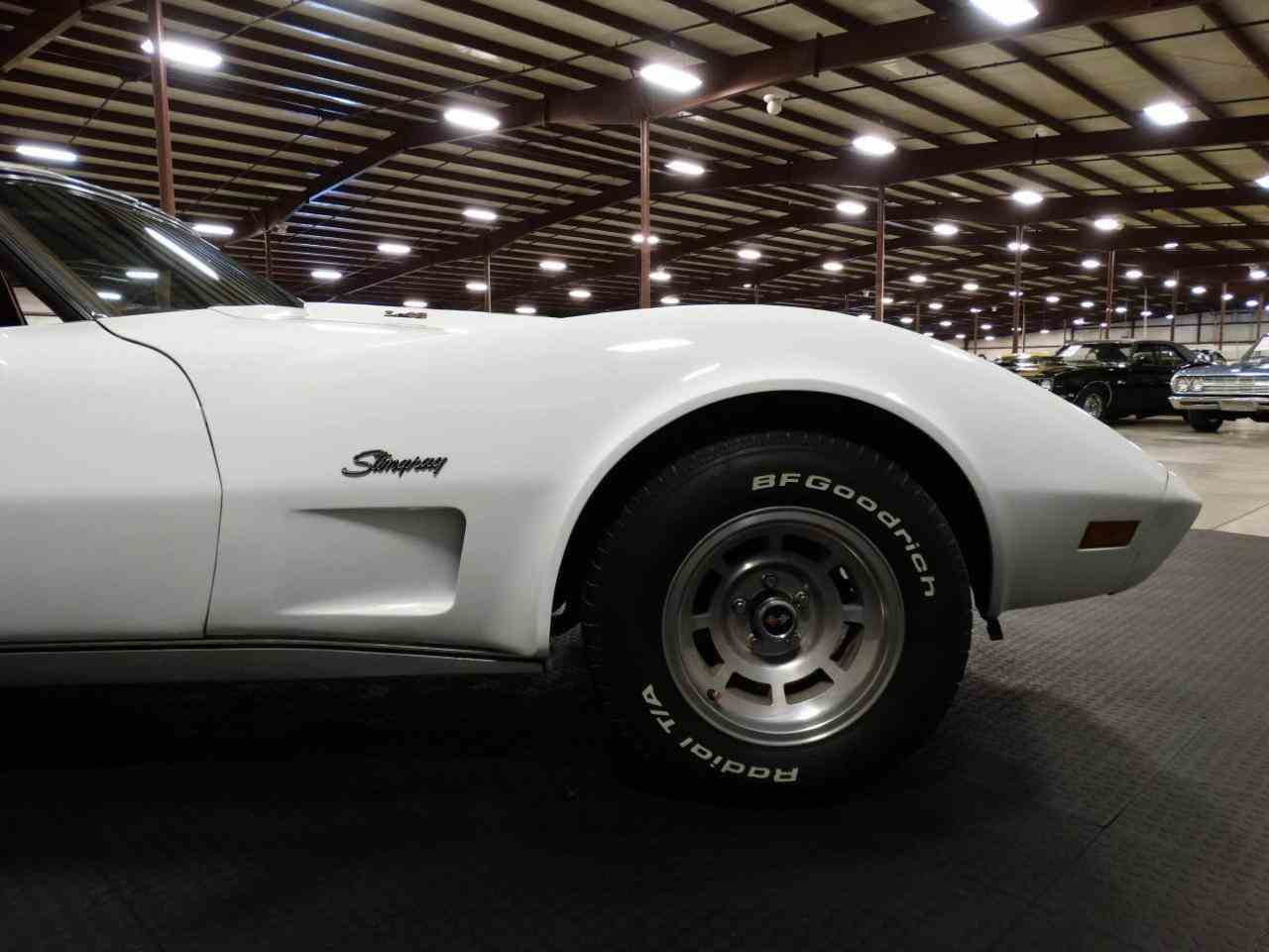 Large Picture of '76 Corvette located in Indiana - KEBQ