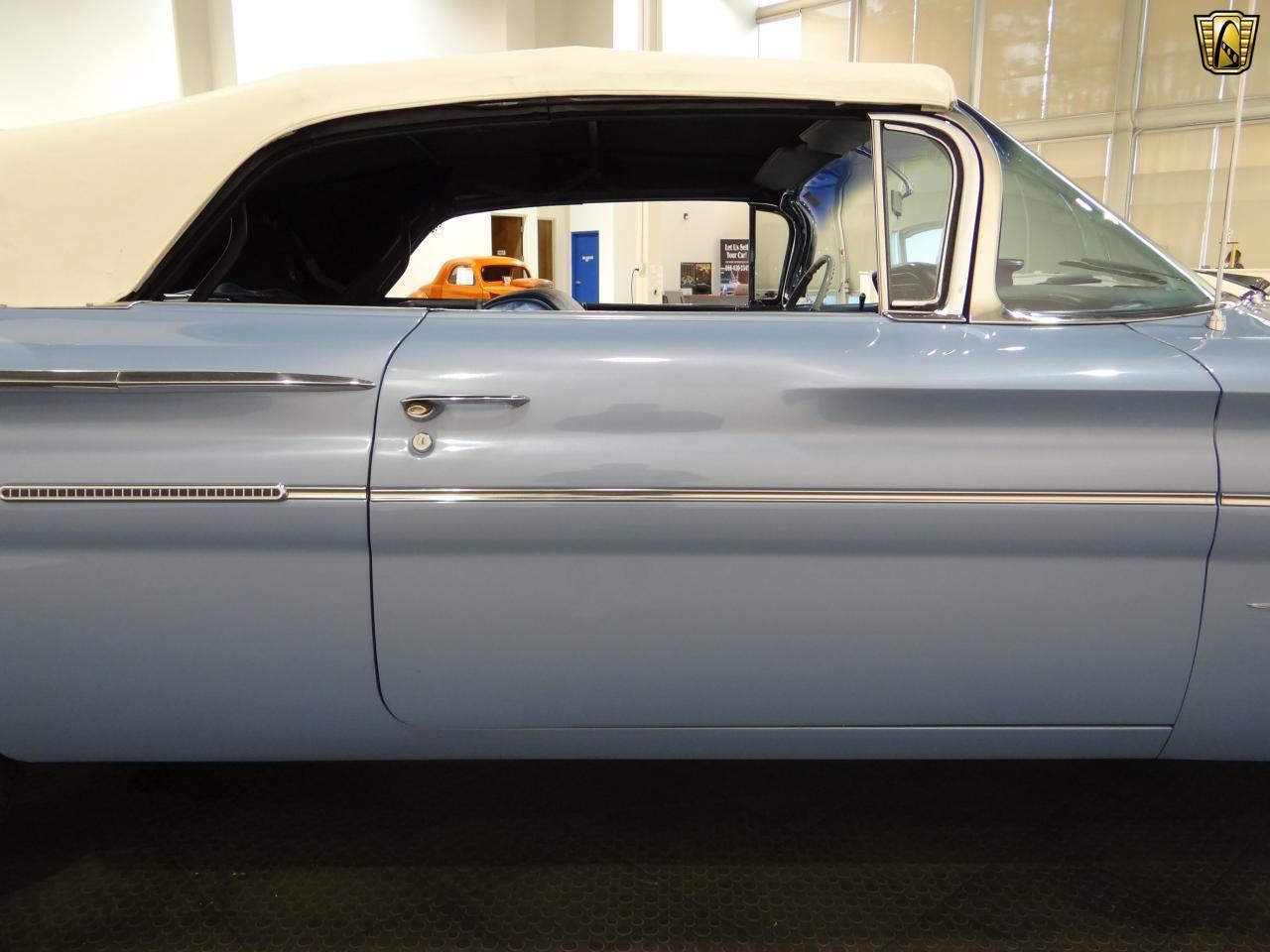 Large Picture of '60 Bonneville - KEEQ