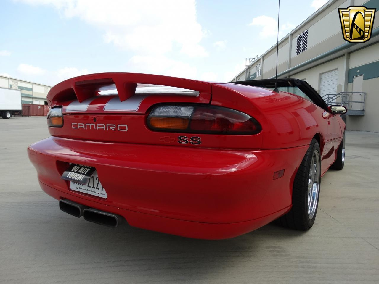 Large Picture of '02 Chevrolet Camaro located in Houston Texas Offered by Gateway Classic Cars - Houston - KEFD