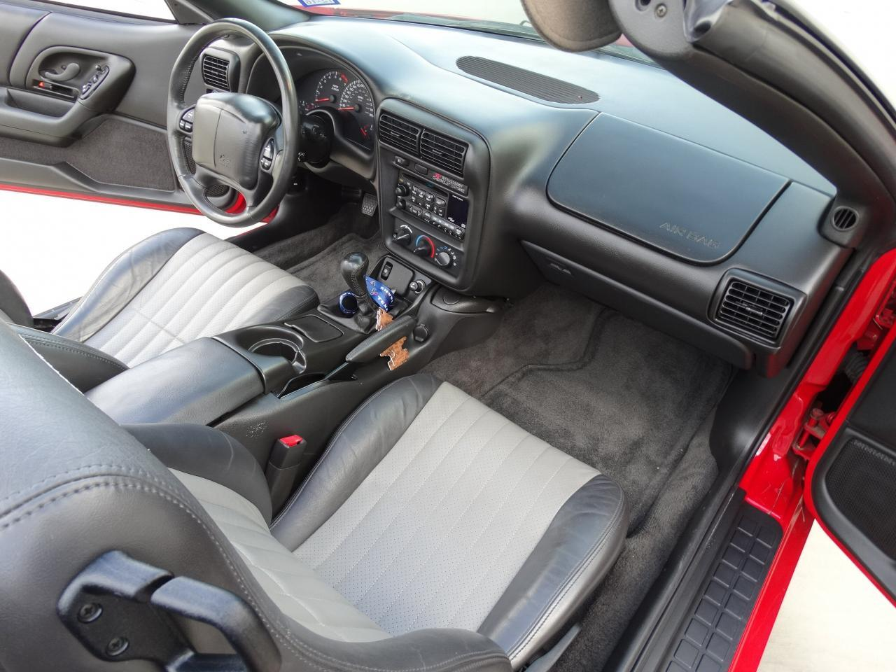 Large Picture of '02 Chevrolet Camaro located in Texas Offered by Gateway Classic Cars - Houston - KEFD