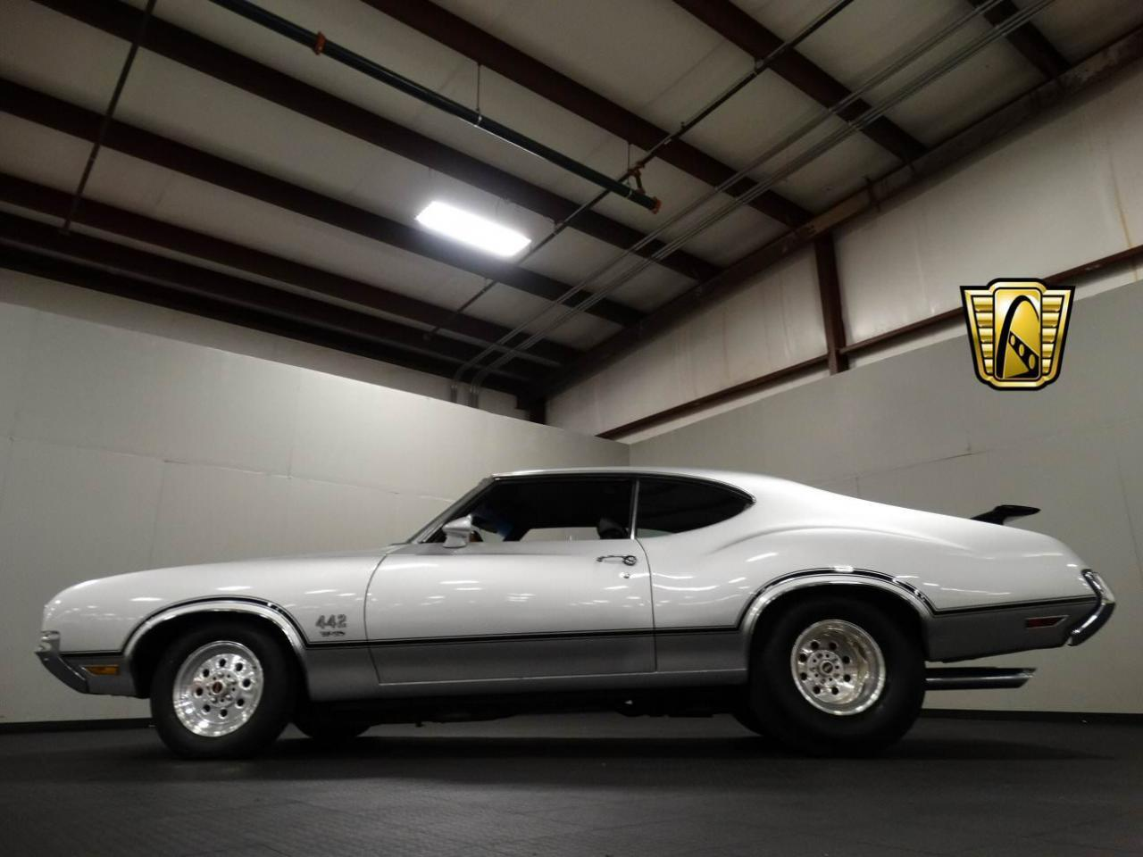 Large Picture of Classic 1970 Oldsmobile Cutlass located in Indiana - KEIV