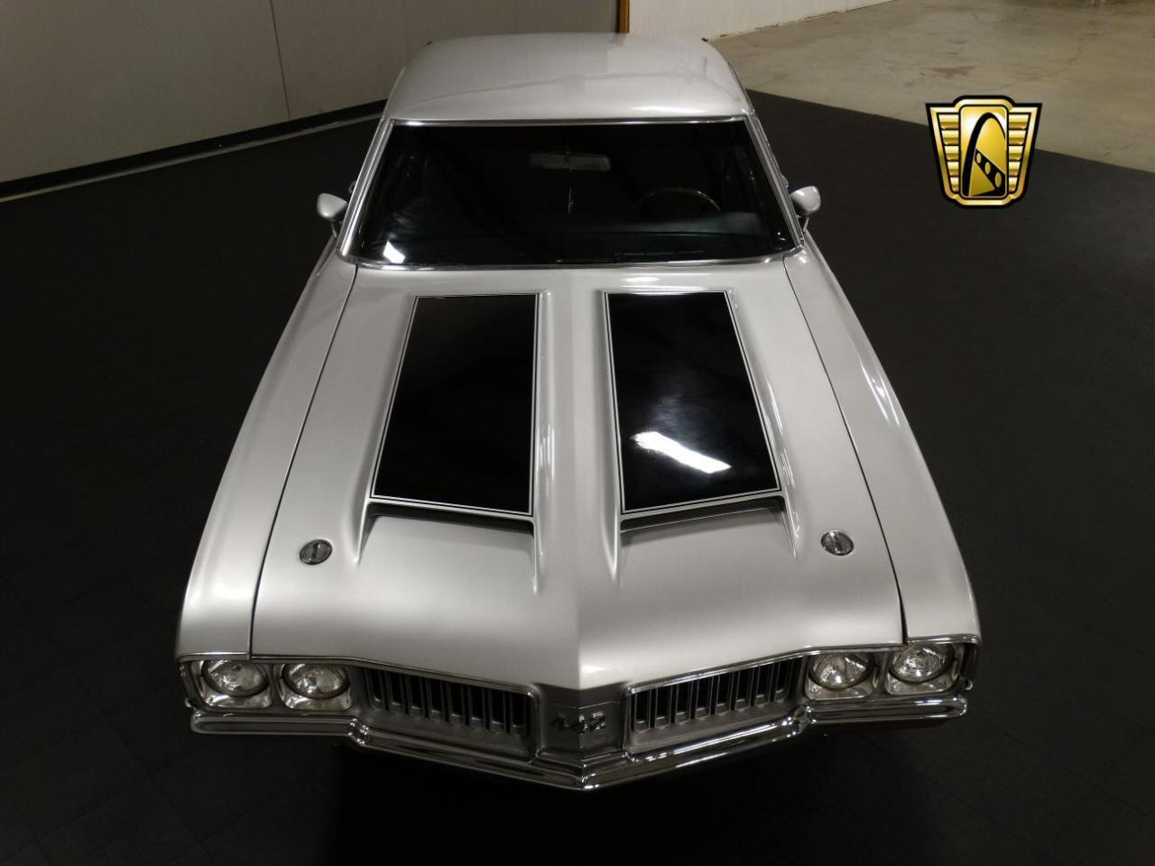 Large Picture of '70 Cutlass located in Memphis Indiana Offered by Gateway Classic Cars - Louisville - KEIV