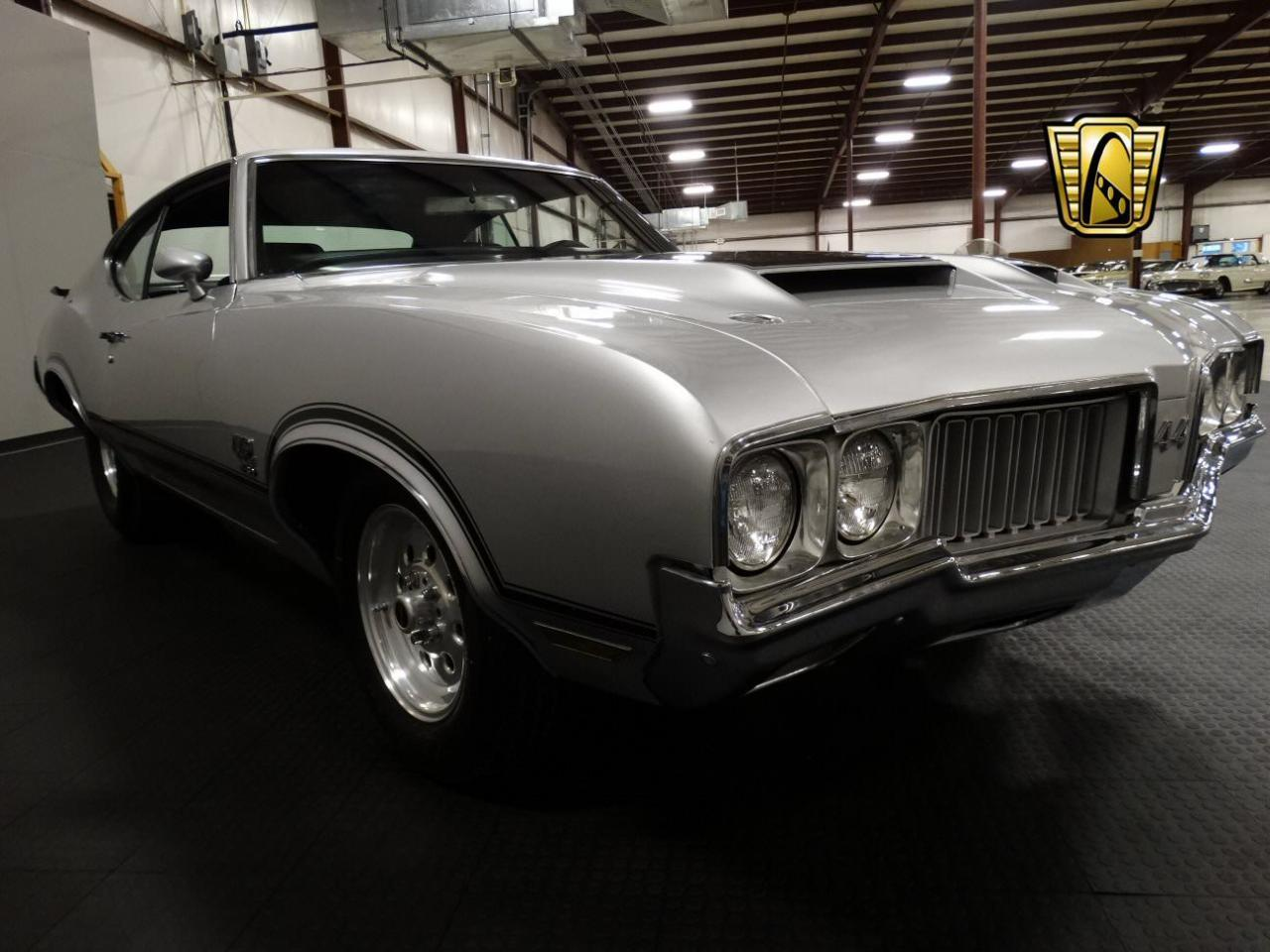 Large Picture of Classic 1970 Cutlass located in Memphis Indiana - KEIV