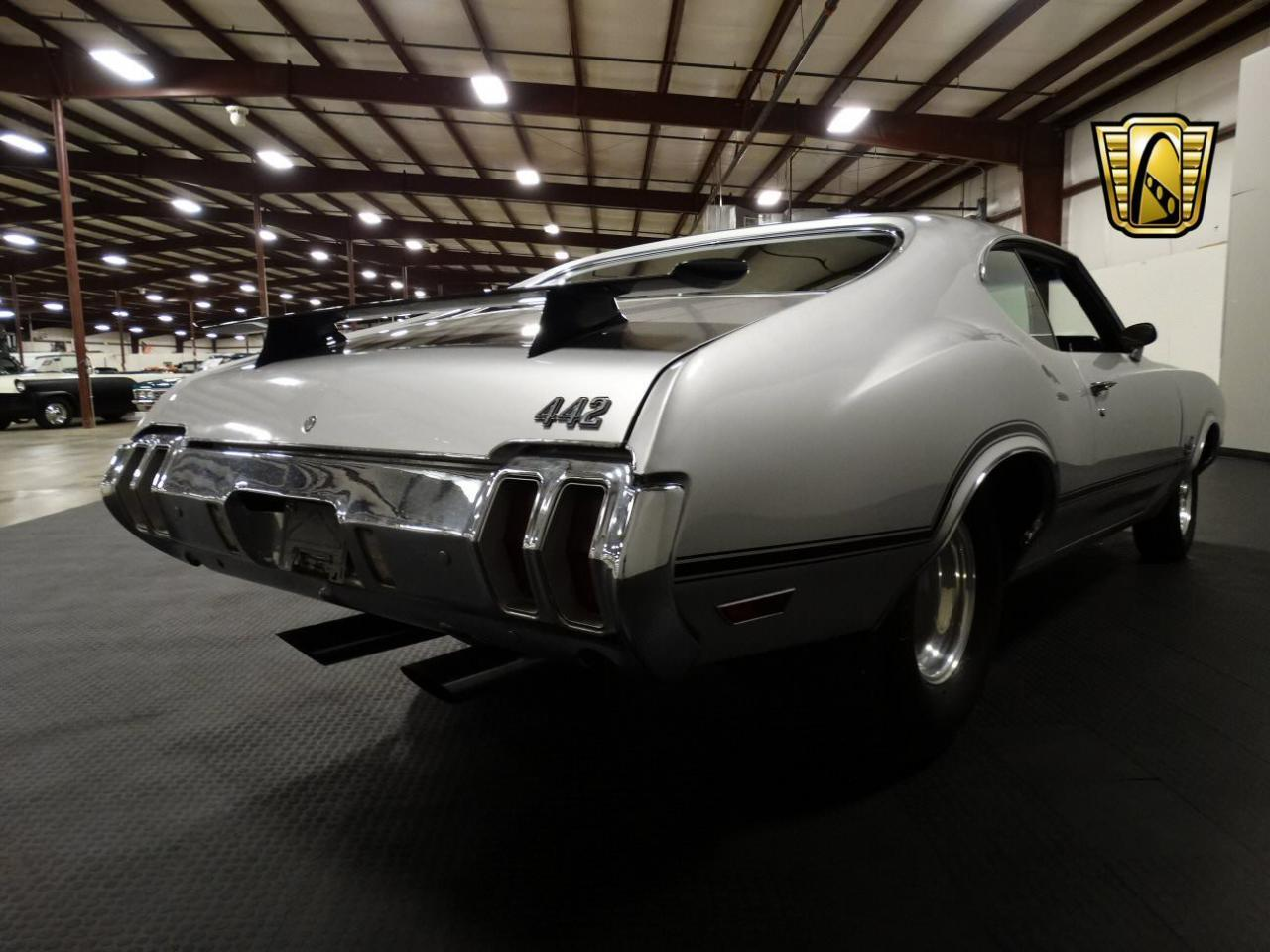 Large Picture of Classic '70 Oldsmobile Cutlass located in Indiana Offered by Gateway Classic Cars - Louisville - KEIV