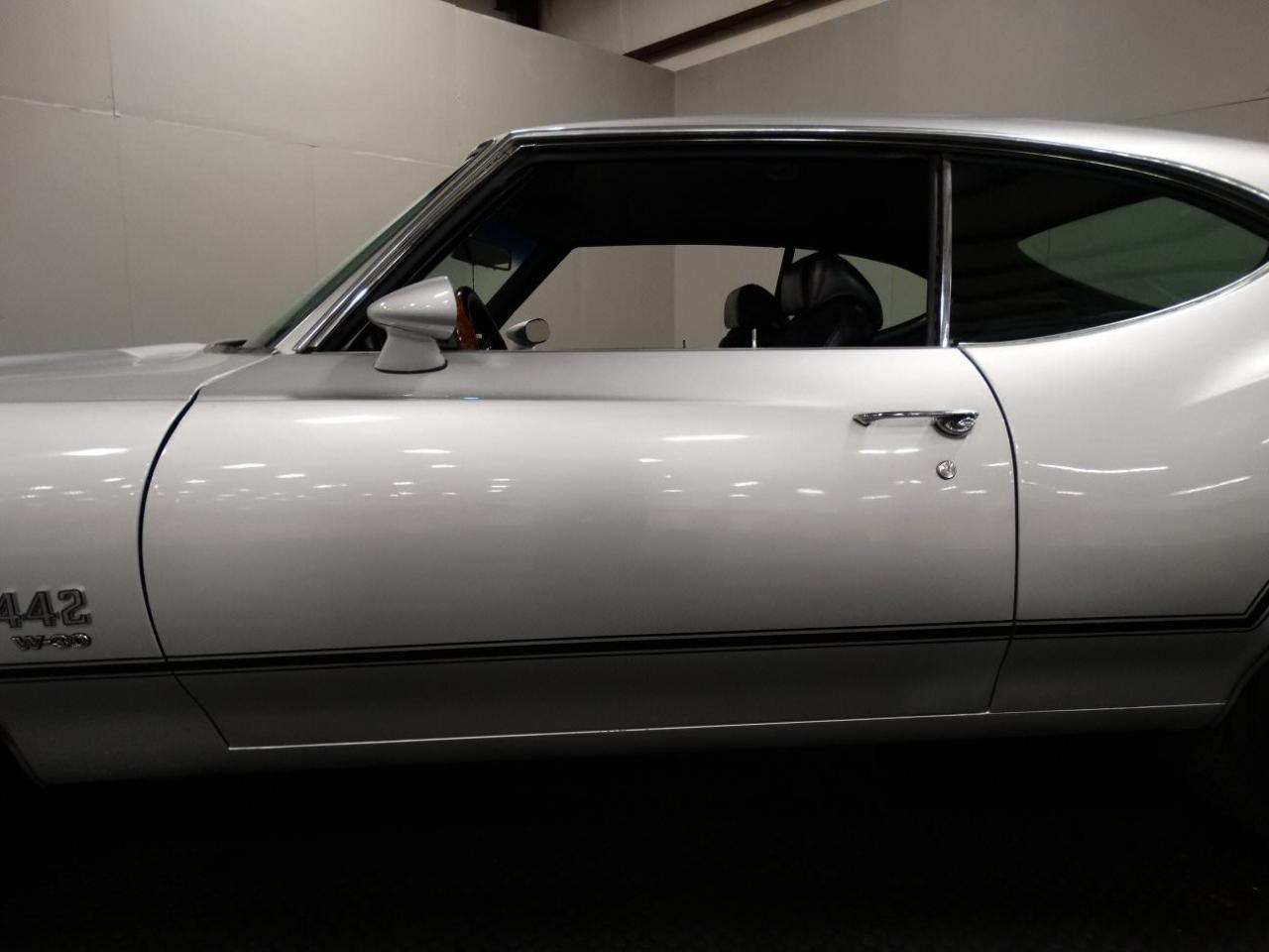 Large Picture of Classic 1970 Cutlass - KEIV