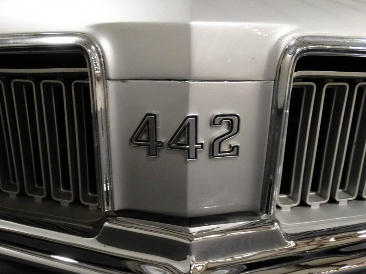 Large Picture of 1970 Oldsmobile Cutlass located in Memphis Indiana Offered by Gateway Classic Cars - Louisville - KEIV
