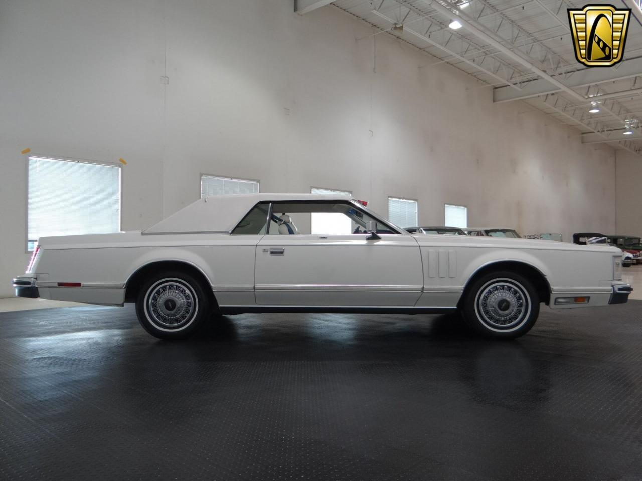 Large Picture of '78 Continental located in Crete Illinois Offered by Gateway Classic Cars - Chicago - KEVR