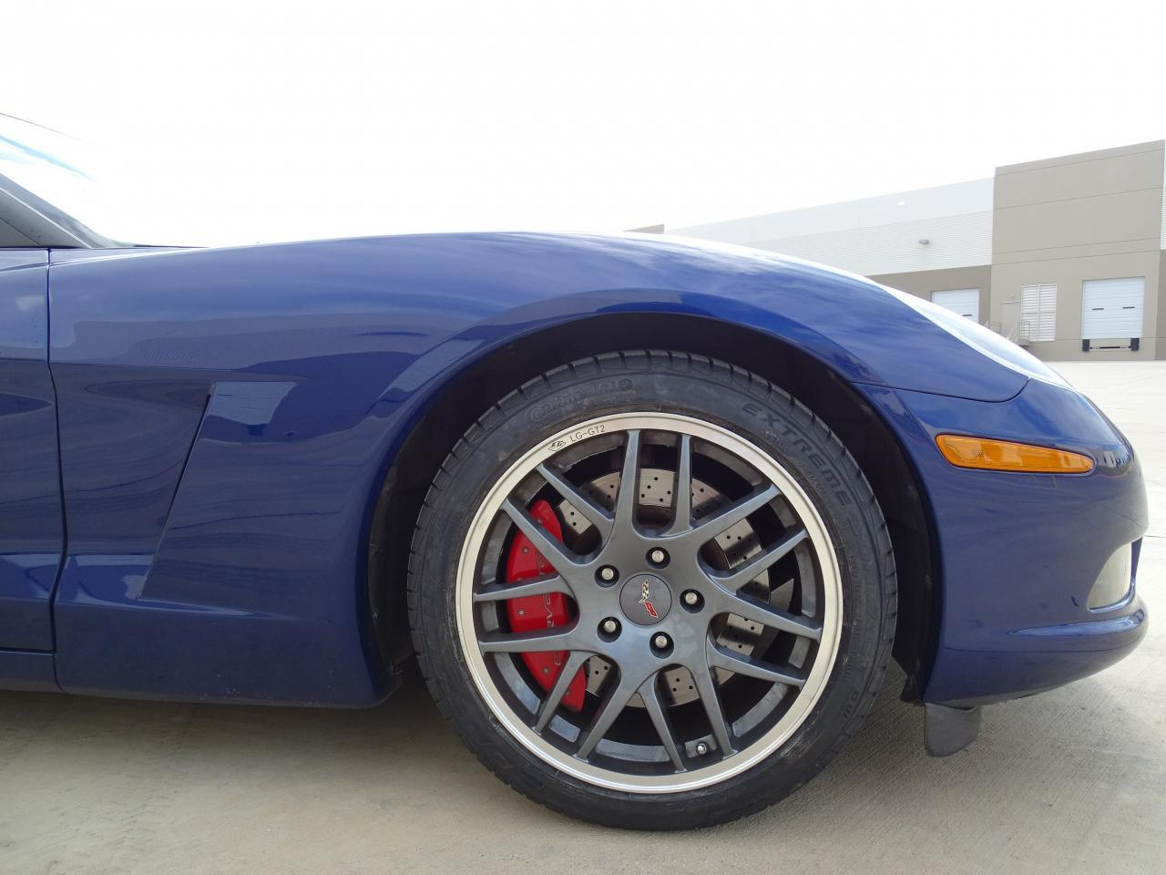 Large Picture of '06 Chevrolet Corvette located in DFW Airport Texas - $27,000.00 - KEW3