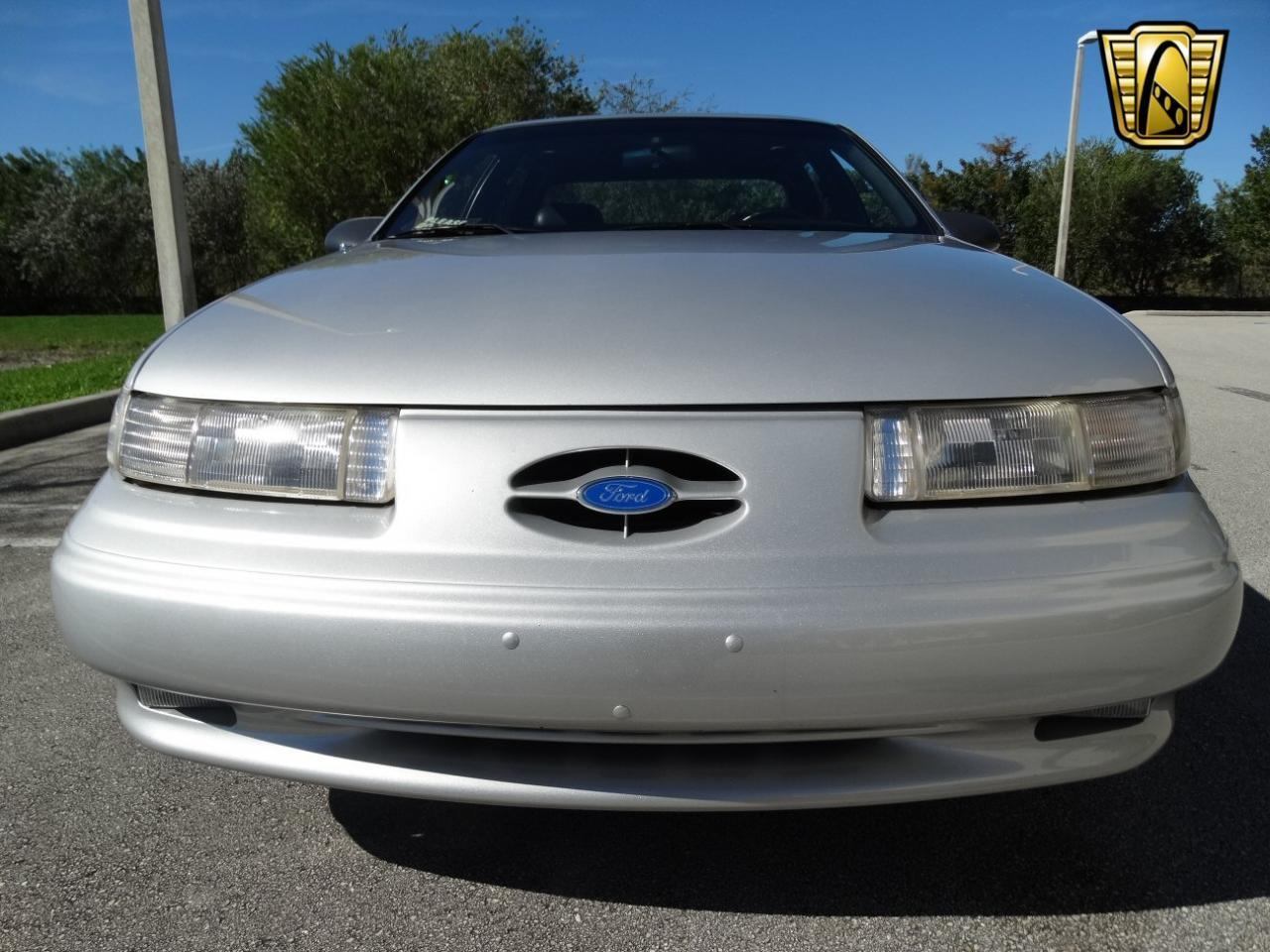 Large Picture of '93 Ford Taurus located in Florida - $9,995.00 - KEXL
