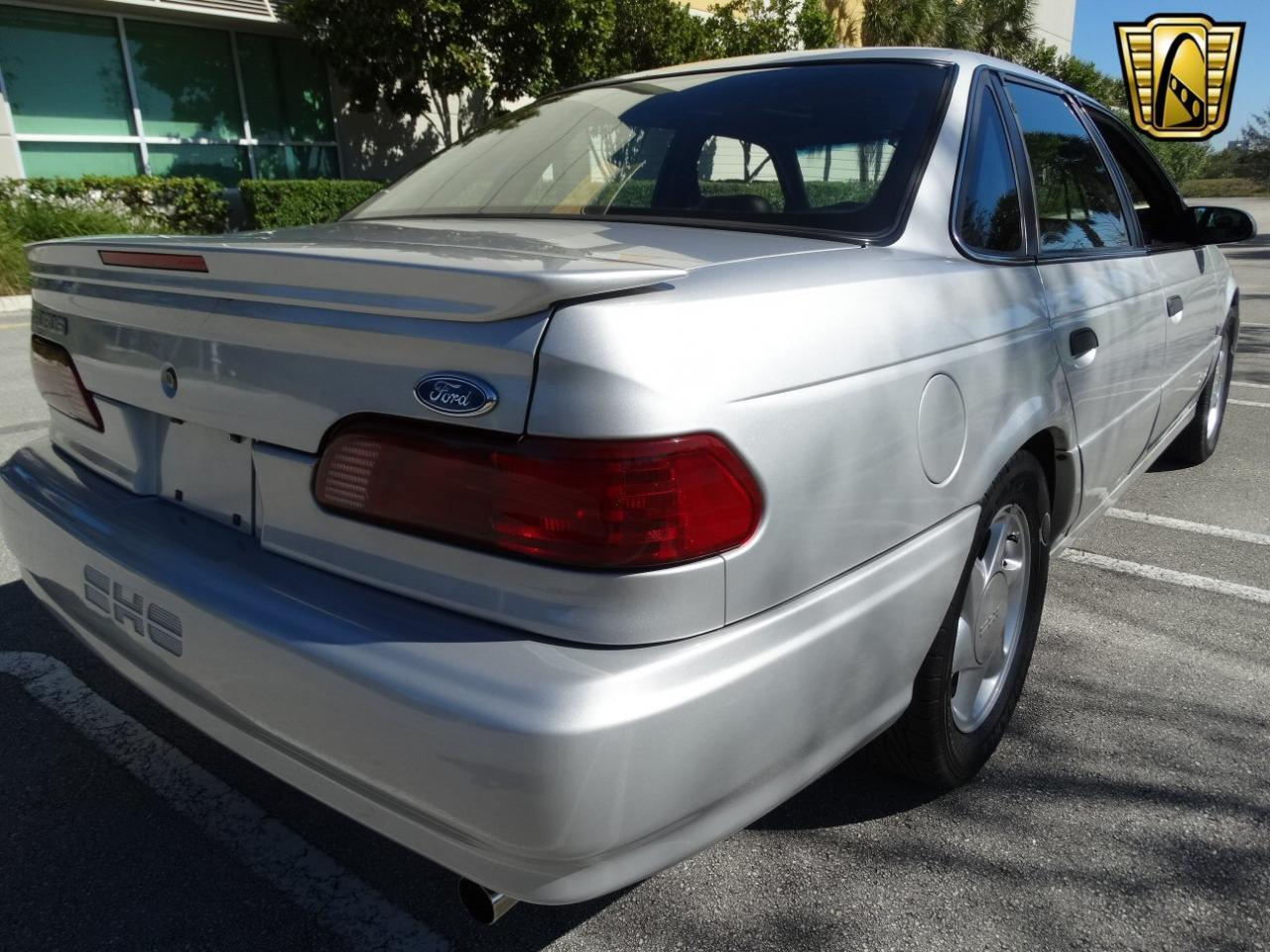 Large Picture of 1993 Ford Taurus located in Florida Offered by Gateway Classic Cars - Fort Lauderdale - KEXL