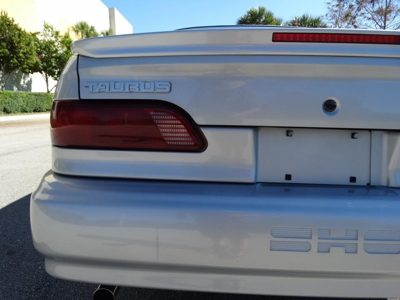 Large Picture of 1993 Taurus located in Florida - KEXL