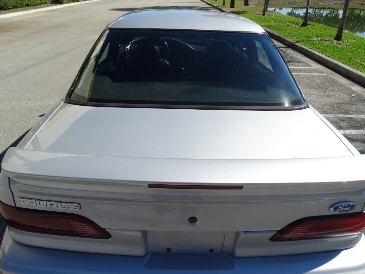 Large Picture of 1993 Ford Taurus located in Florida - KEXL