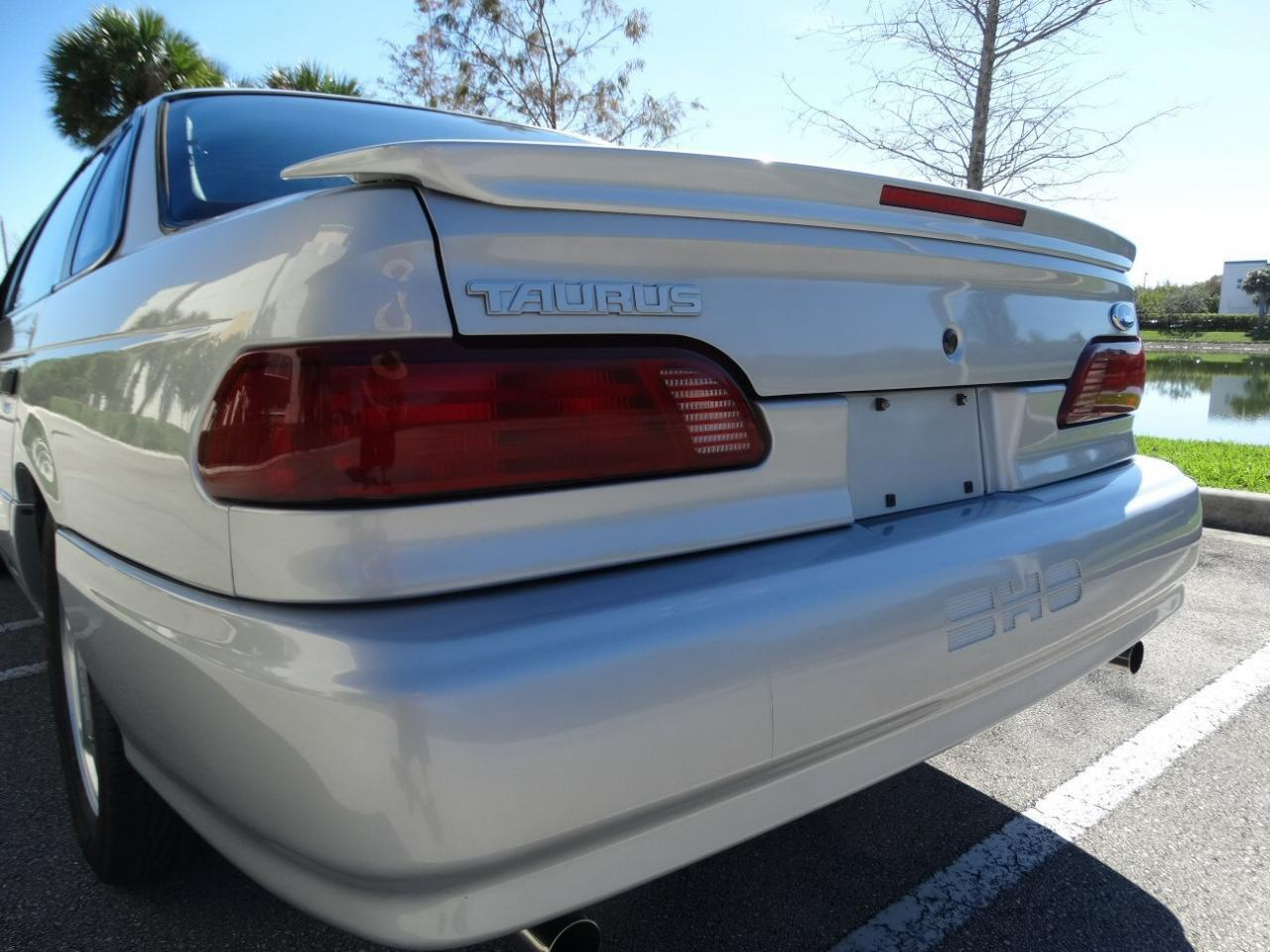 Large Picture of 1993 Ford Taurus - KEXL