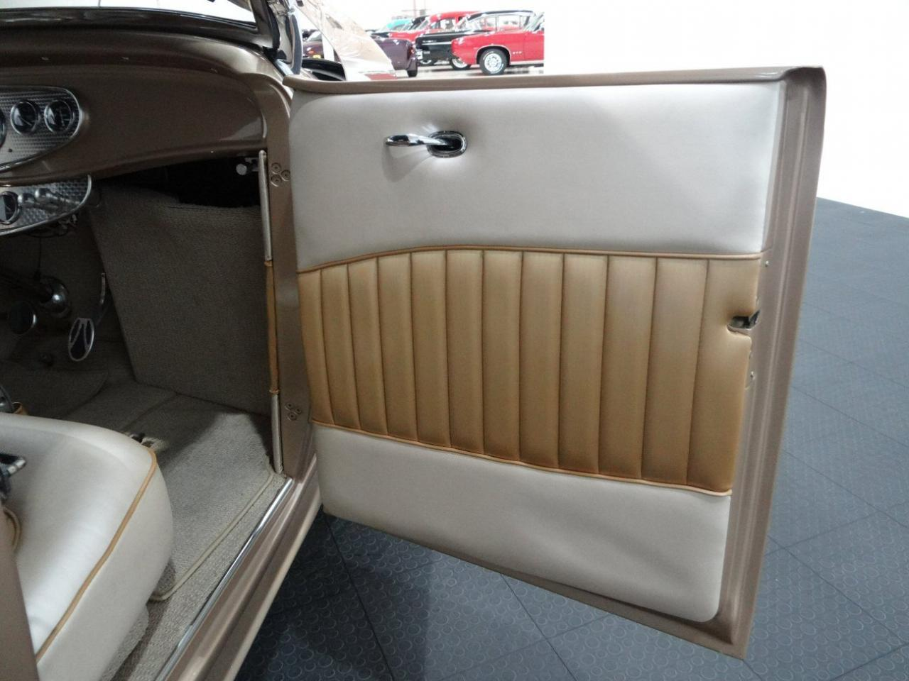 Large Picture of Classic 1932 Ford Highboy located in Illinois - $54,000.00 Offered by Gateway Classic Cars - Chicago - KEZ8
