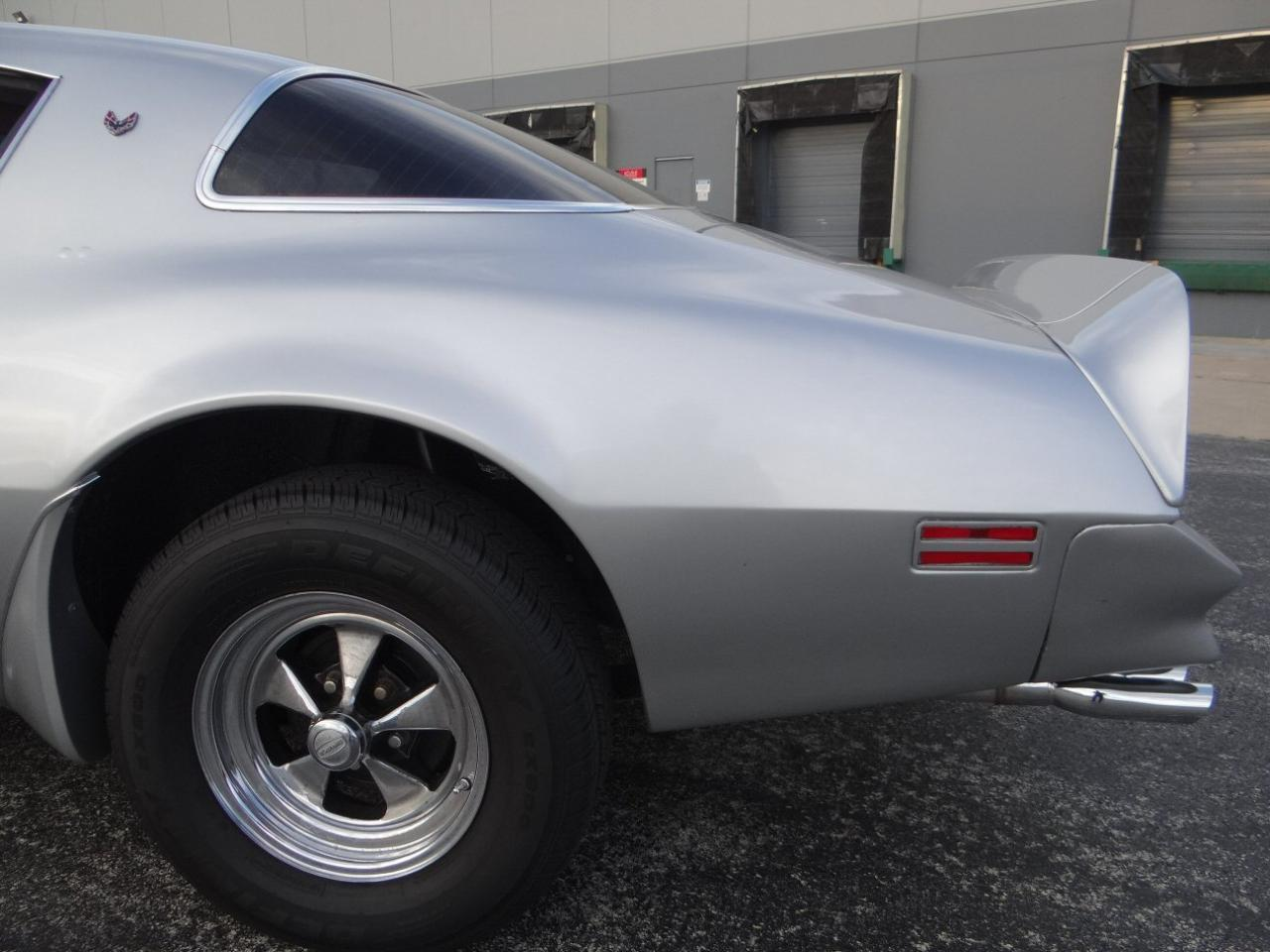 Large Picture of '76 Pontiac Firebird located in Illinois - $15,595.00 - KF0S