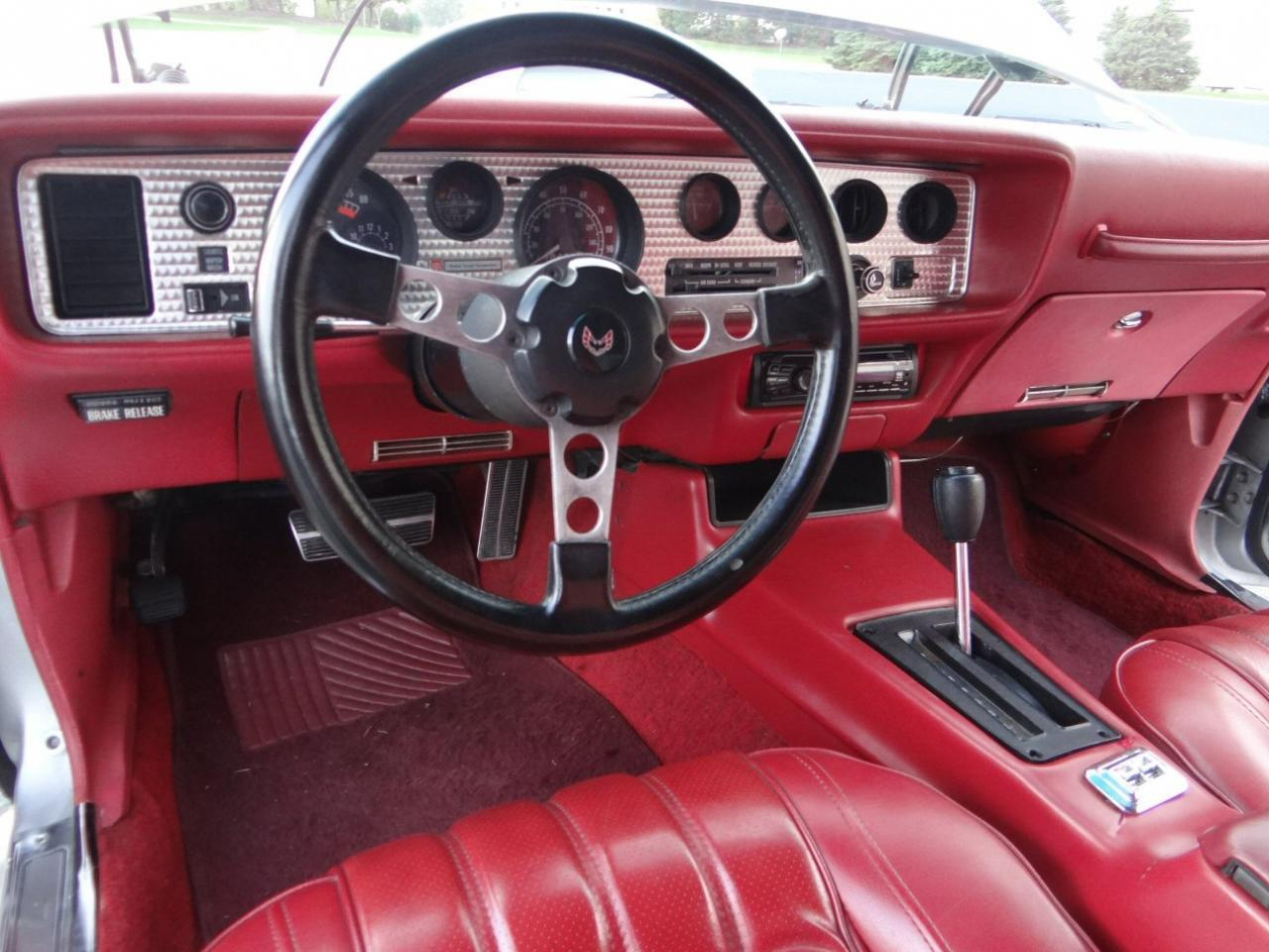 Large Picture of 1976 Pontiac Firebird located in Illinois Offered by Gateway Classic Cars - Chicago - KF0S