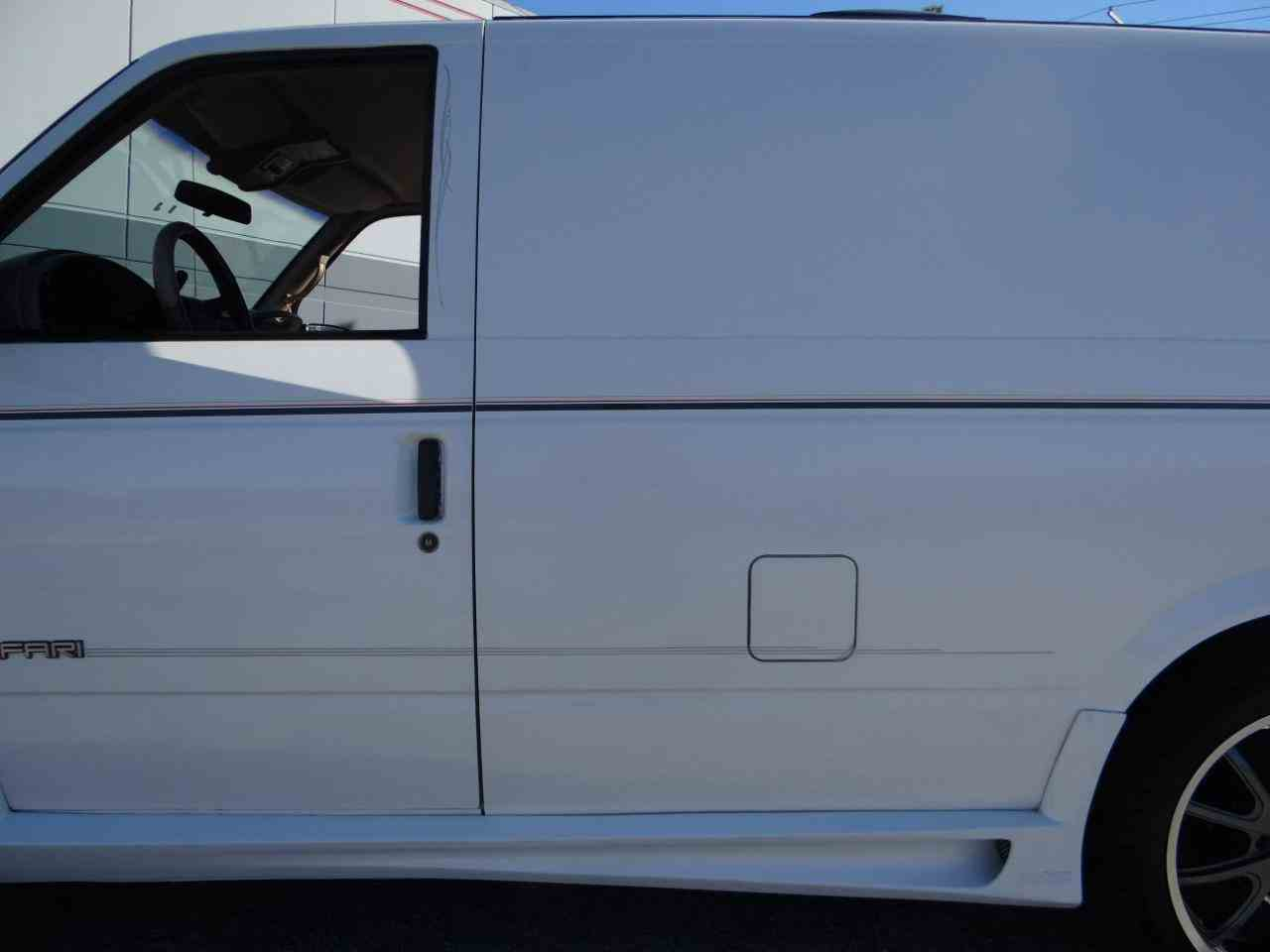 Large Picture of 1998 GMC Safari located in Illinois Offered by Gateway Classic Cars - Chicago - KF2Q