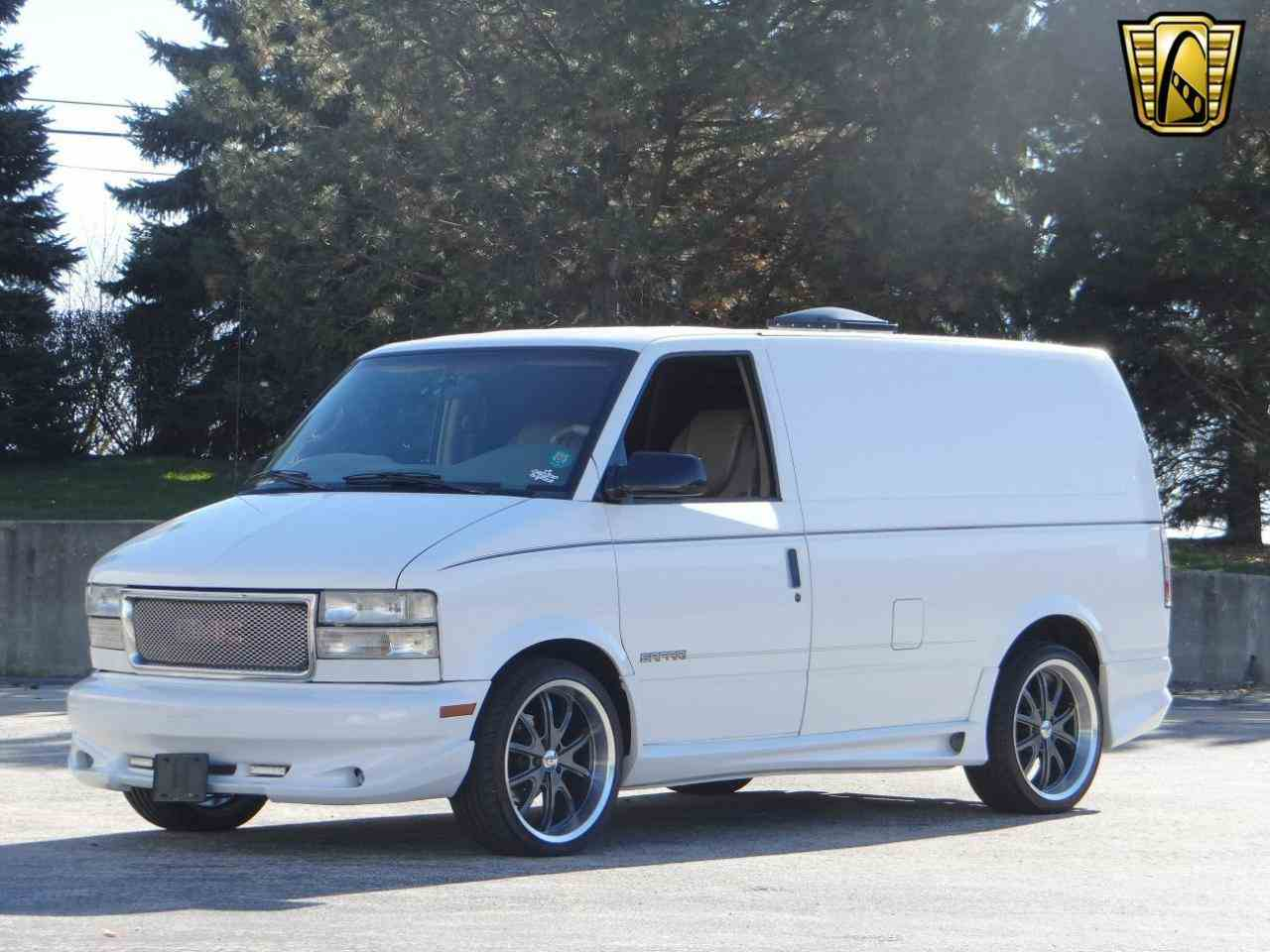 Large Picture of '98 GMC Safari located in Illinois Offered by Gateway Classic Cars - Chicago - KF2Q