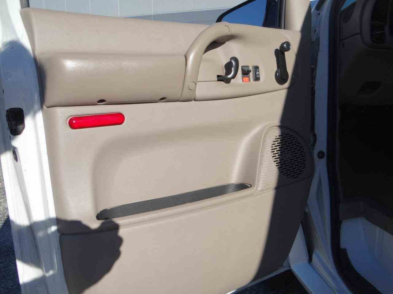Large Picture of '98 GMC Safari located in Crete Illinois Offered by Gateway Classic Cars - Chicago - KF2Q