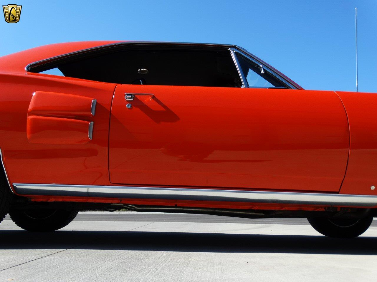 Large Picture of '69 Coronet - KF3F