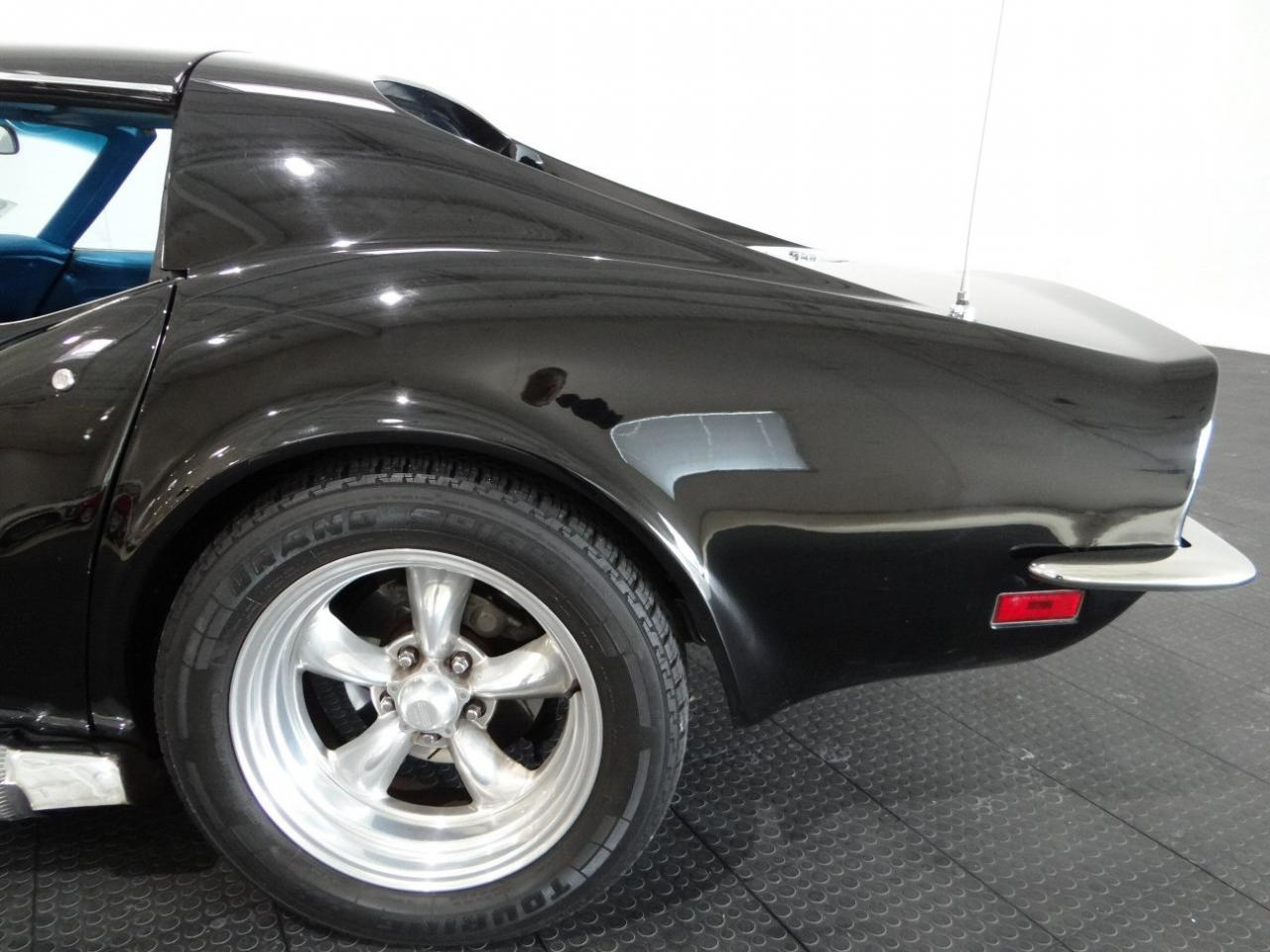 Large Picture of Classic '71 Chevrolet Corvette - KF3X