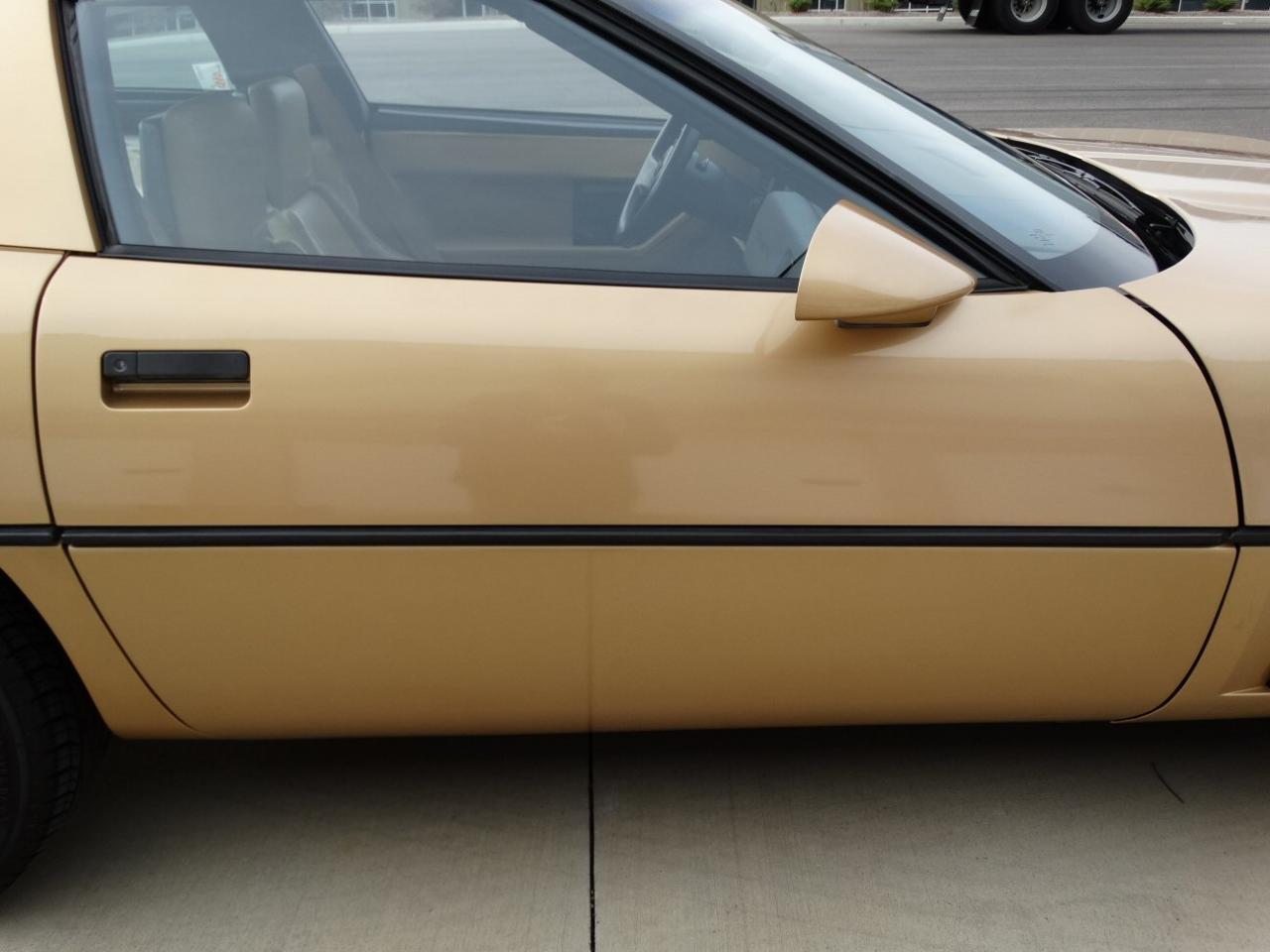 Large Picture of 1986 Corvette located in Alpharetta Georgia - KF5W