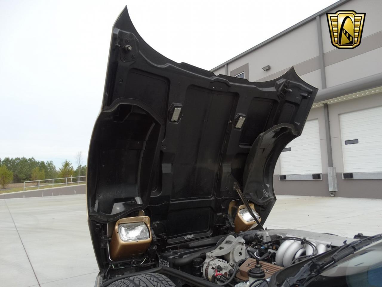 Large Picture of '86 Chevrolet Corvette Offered by Gateway Classic Cars - Atlanta - KF5W