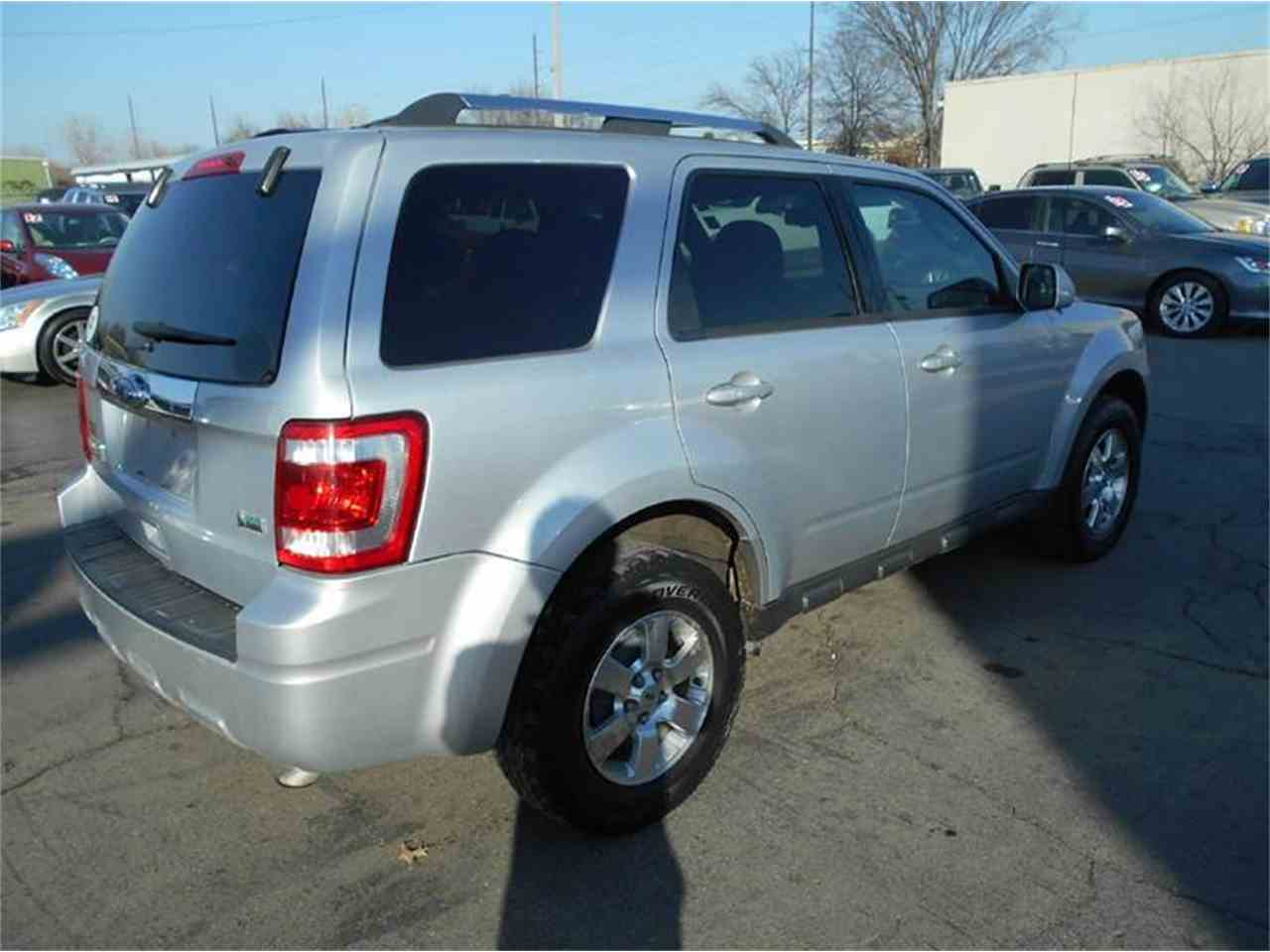 Large Picture of '11 Ford Escape located in Kansas - KFEM