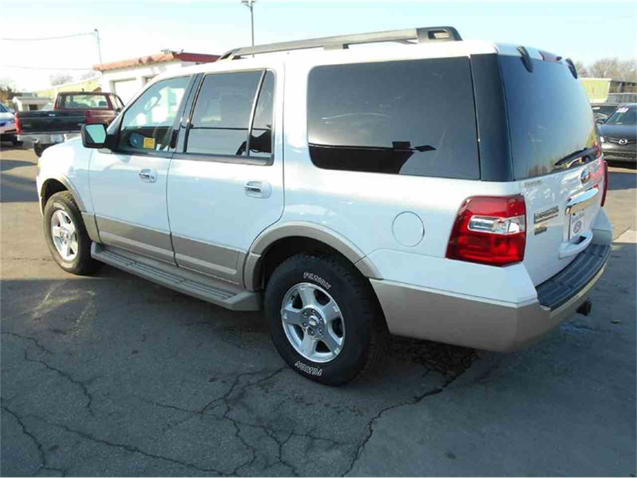 Large Picture of '09 Ford Expedition located in Olathe Kansas Offered by All American Auto Mart Inc - KFEN