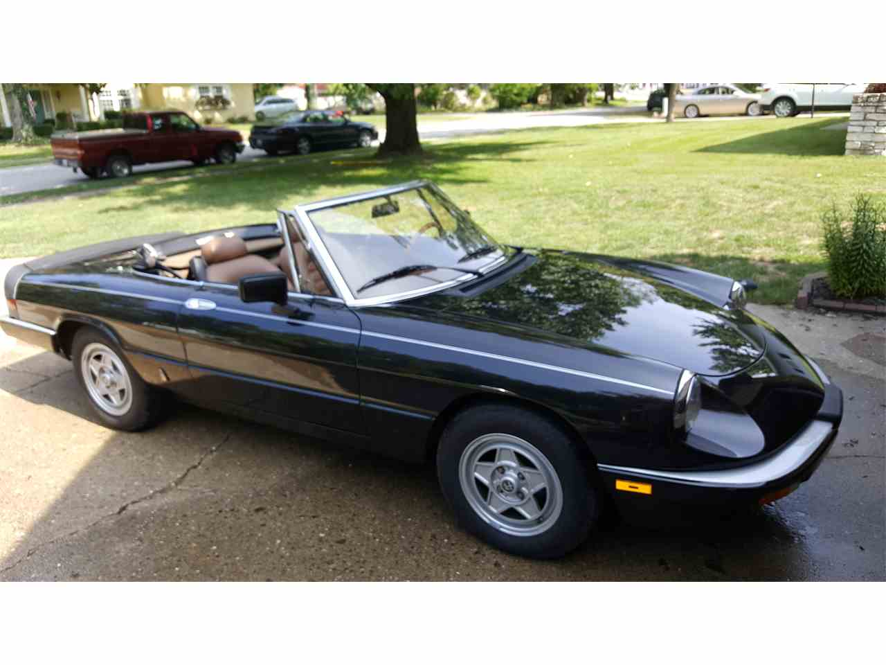 Large Picture of '84 Alfa Romeo 2000 Spider Veloce located in Illinois - KDDZ