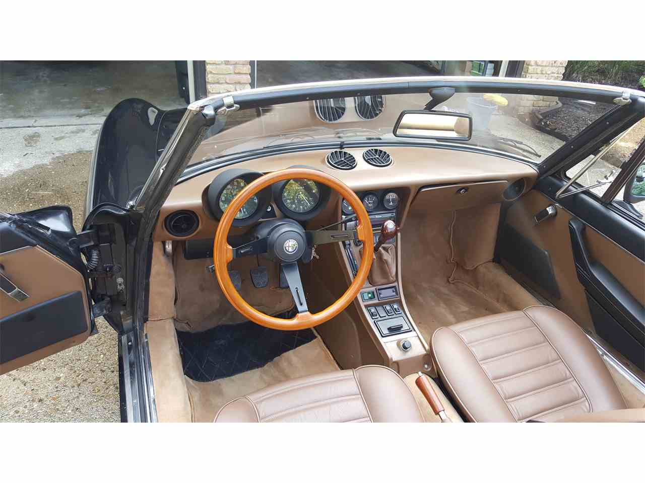 Large Picture of 1984 Alfa Romeo 2000 Spider Veloce - $9,500.00 Offered by a Private Seller - KDDZ