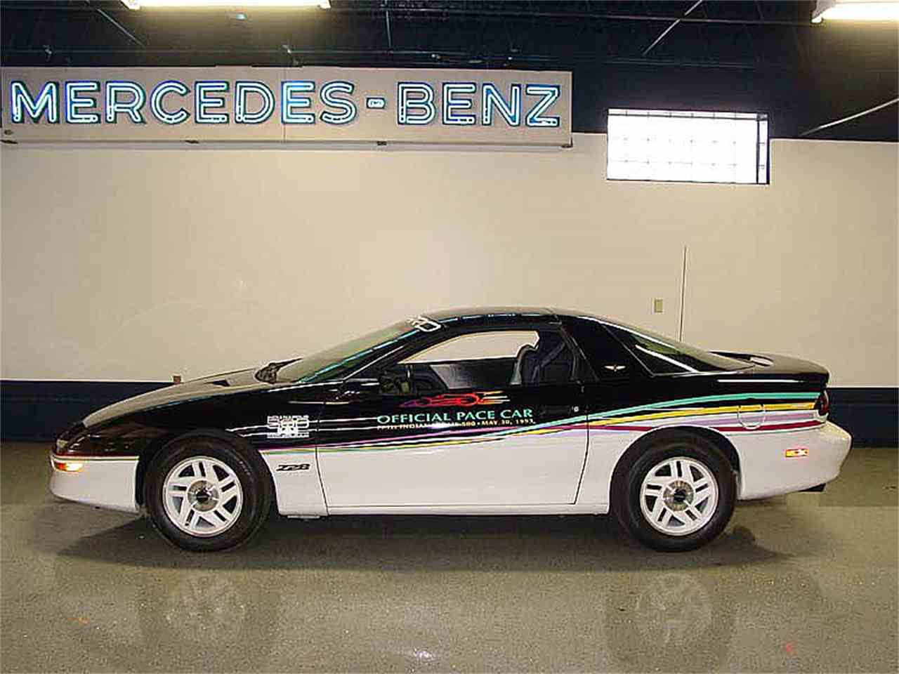 Large Picture of '93 Camaro Z28 - KGQS