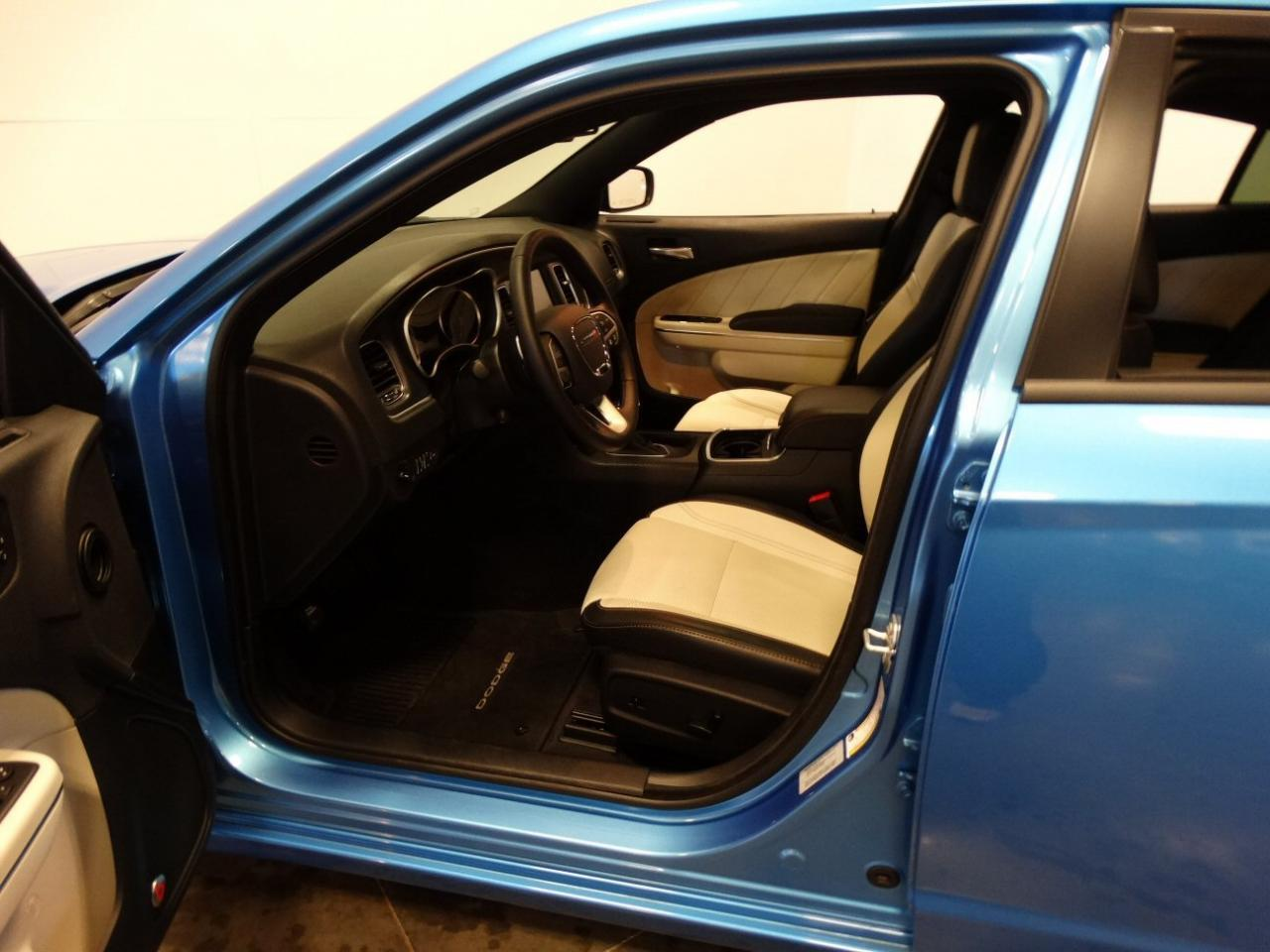 Large Picture of '16 Dodge Charger located in La Vergne Tennessee - $38,995.00 - KGRS