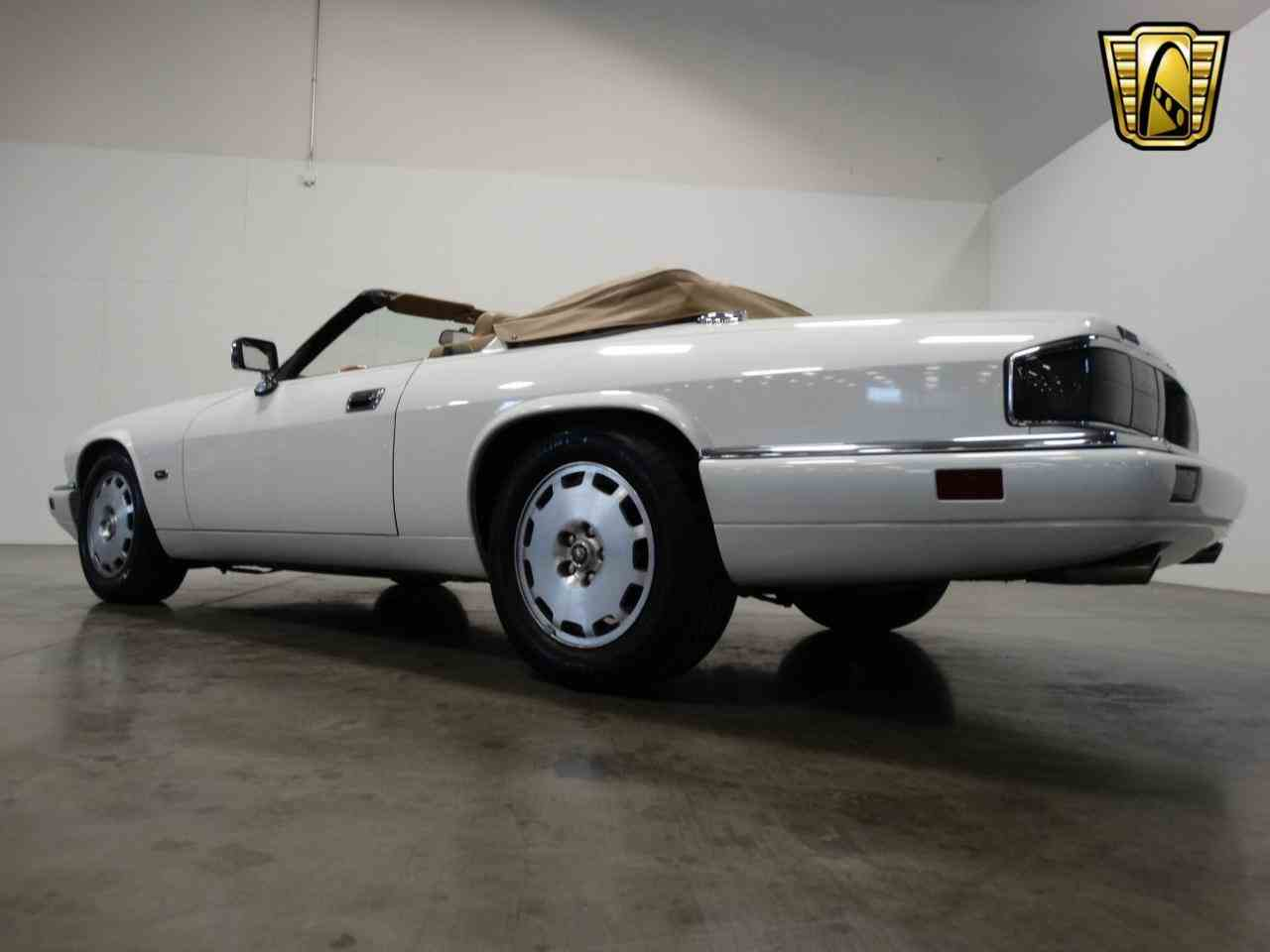 Large Picture of '96 Jaguar XJS located in La Vergne Tennessee - KGRY