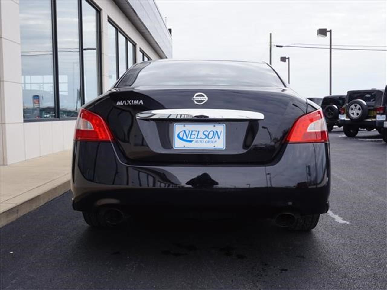 Large Picture of '10 Nissan Maxima located in Ohio Offered by Nelson Automotive, Ltd. - KHAD