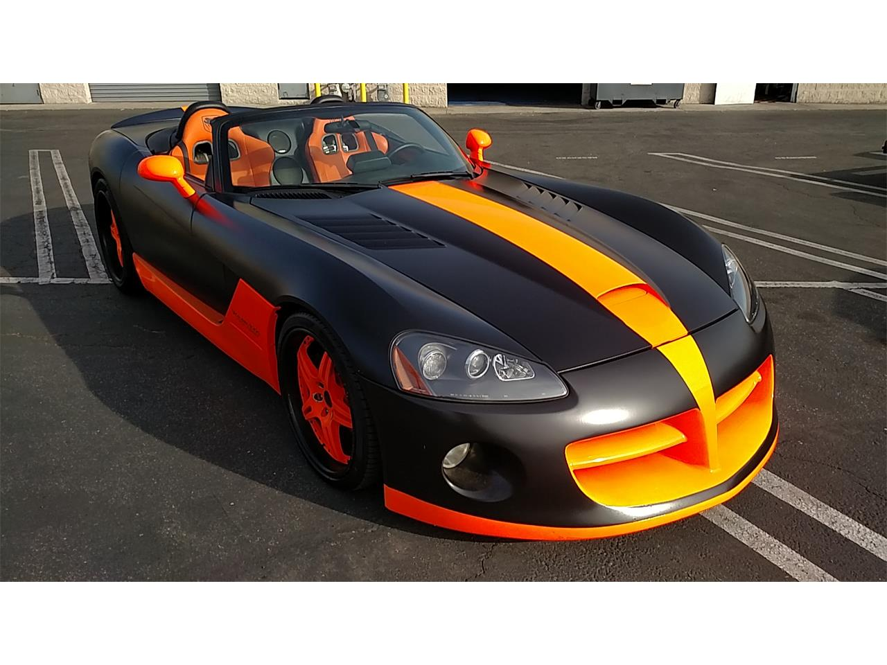Large Picture of '05 Dodge Viper - KHGC