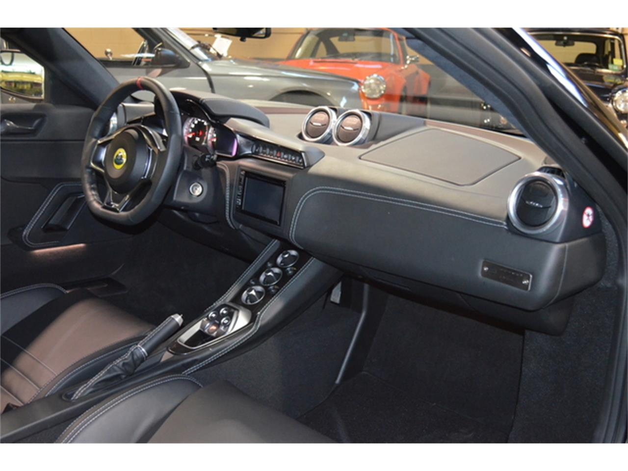 Large Picture of '17 Evora 400 - KHNW