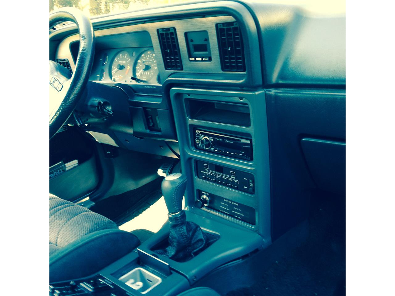 Large Picture of '86 Ford Thunderbird  - KHON
