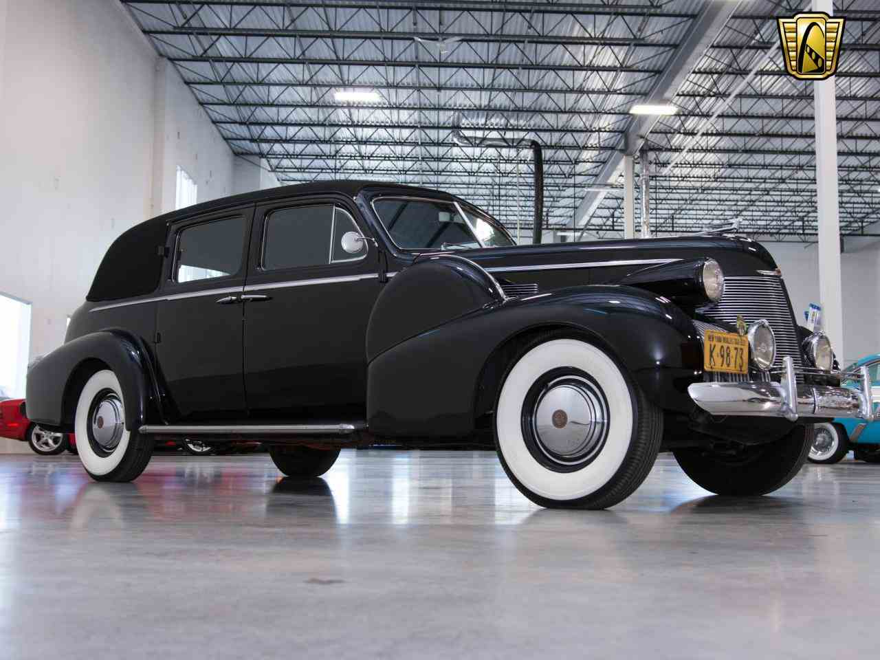 Large Picture of Classic '39 Cadillac 7 Passenger Touring W/ Trunk located in Wisconsin - KHP0
