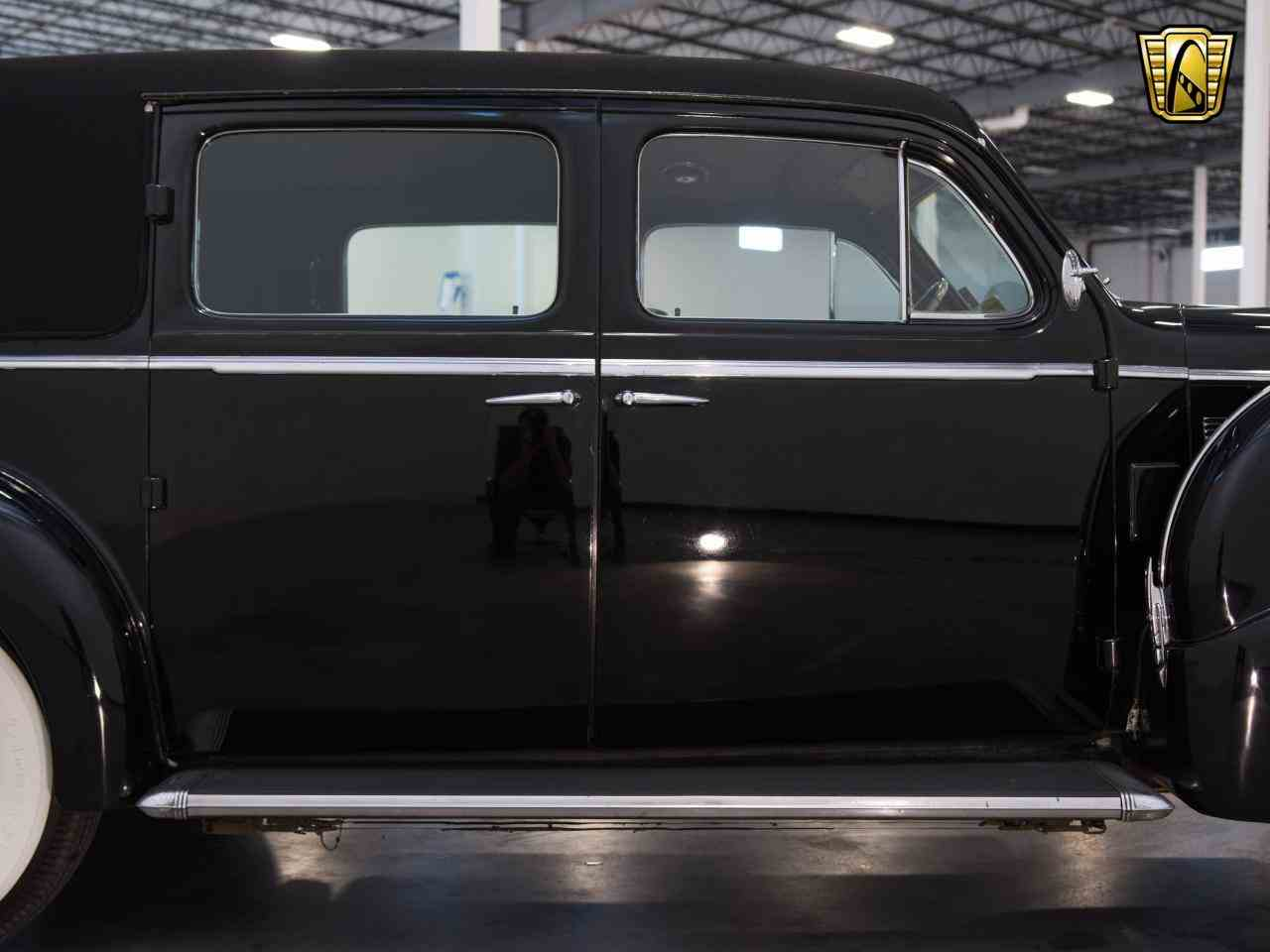 Large Picture of '39 Cadillac 7 Passenger Touring W/ Trunk Offered by Gateway Classic Cars - Milwaukee - KHP0