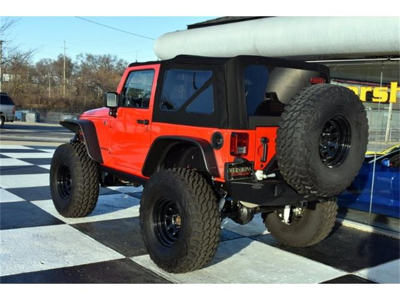 Large Picture of '15 Jeep Wrangler located in Springfield Ohio - KHY4