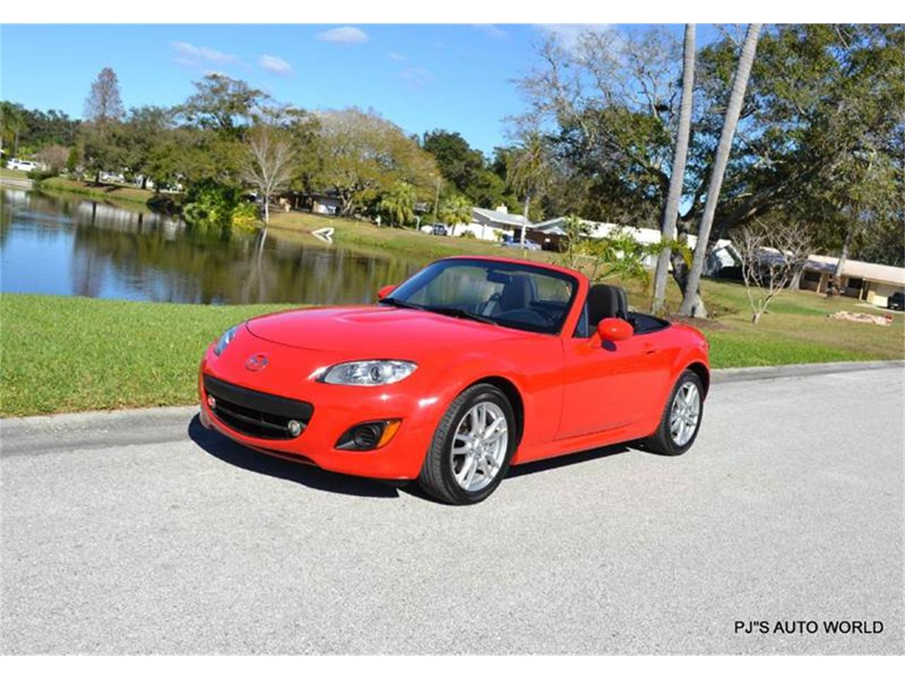 Large Picture of '11 Mazda Miata located in Clearwater Florida - $11,800.00 Offered by PJ's Auto World - KHZE