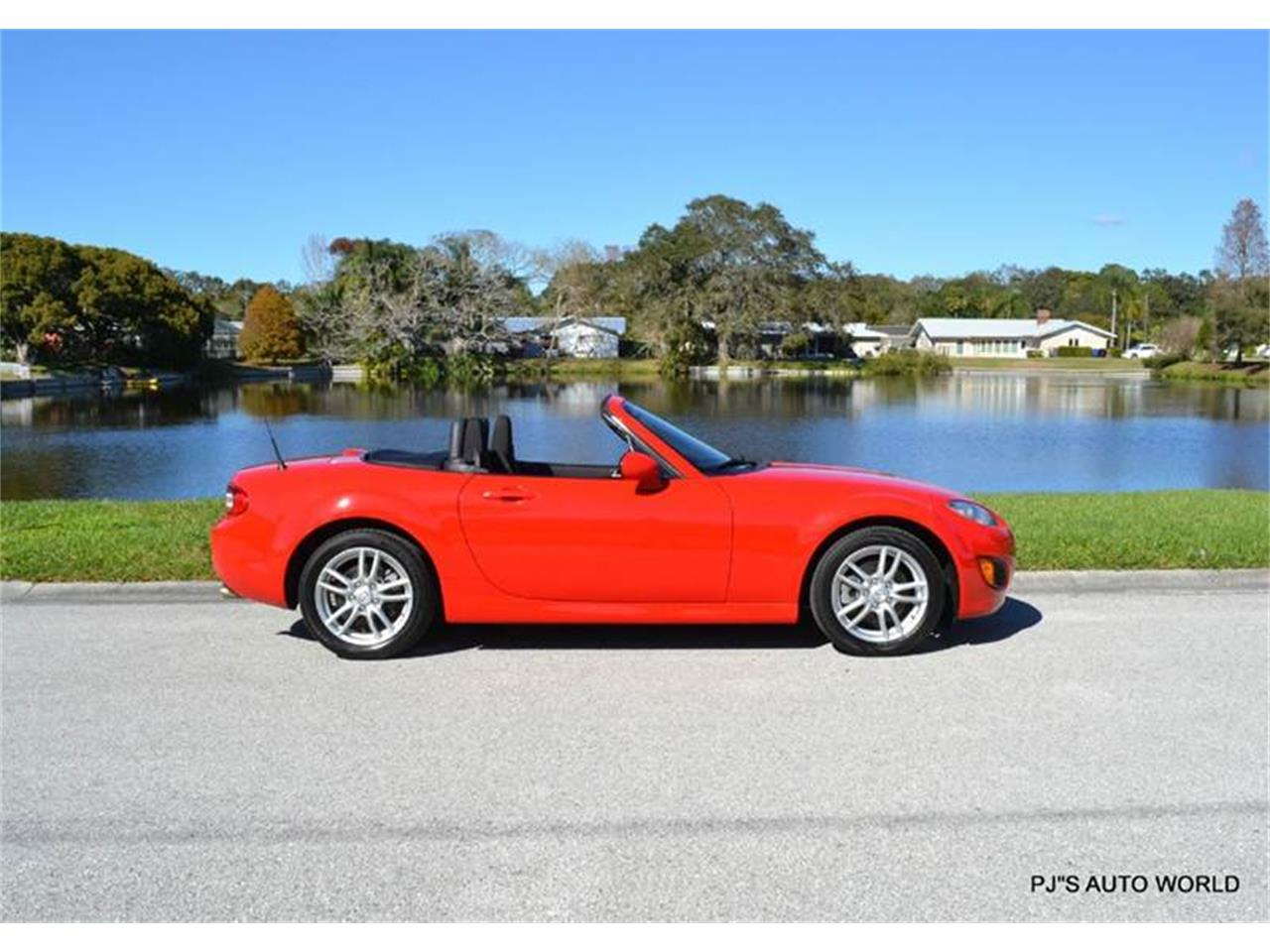 Large Picture of 2011 Mazda Miata located in Florida - $11,800.00 Offered by PJ's Auto World - KHZE
