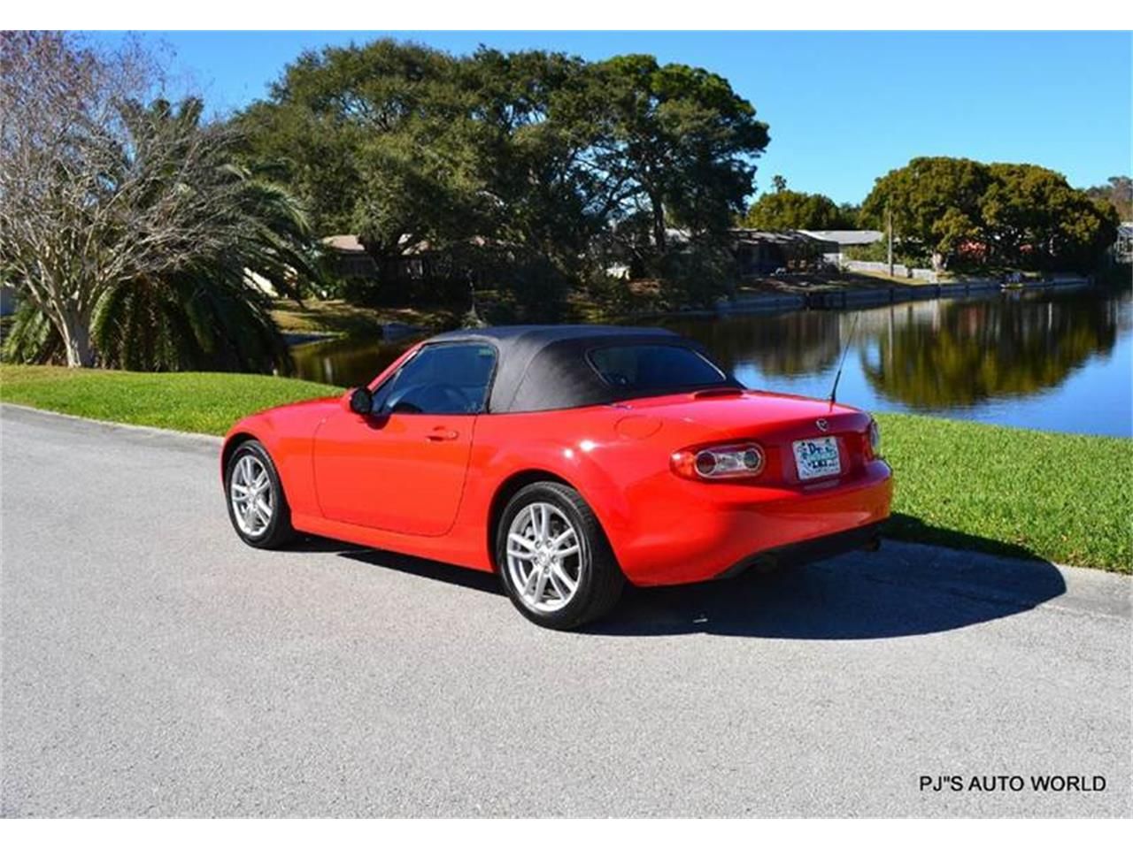 Large Picture of 2011 Miata located in Clearwater Florida - $11,800.00 - KHZE