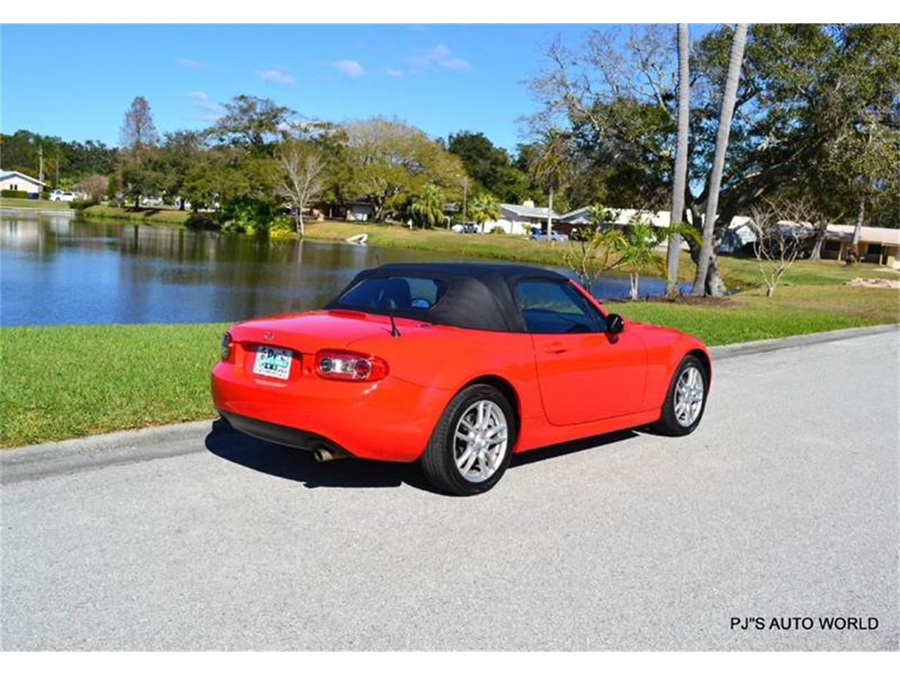 Large Picture of '11 Mazda Miata Offered by PJ's Auto World - KHZE
