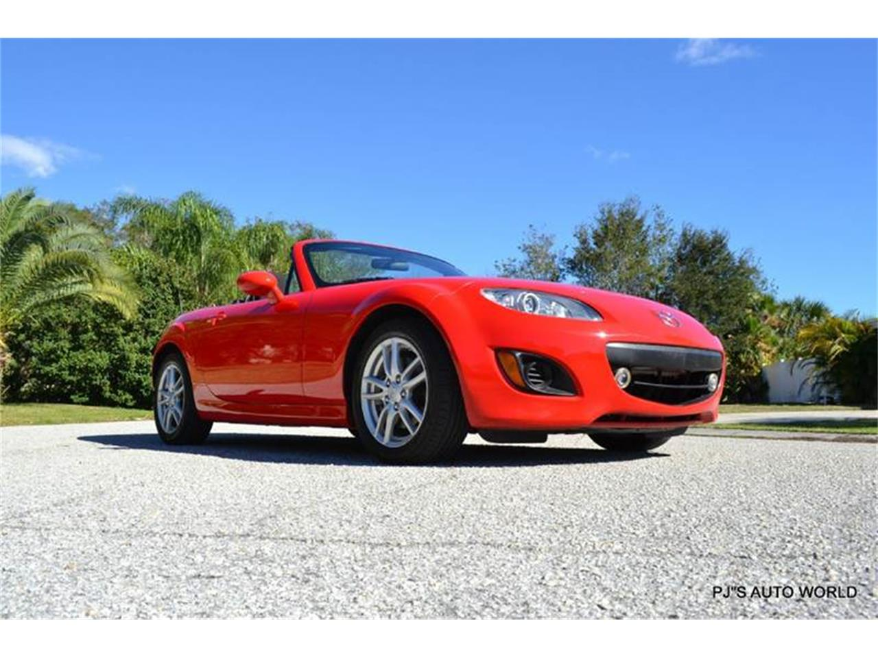 Large Picture of '11 Mazda Miata located in Clearwater Florida - $11,800.00 - KHZE