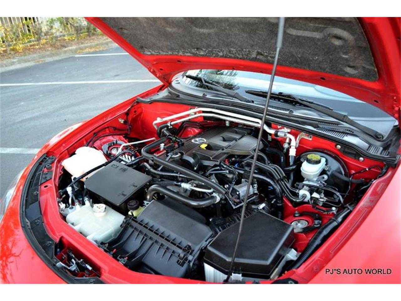Large Picture of '11 Mazda Miata located in Clearwater Florida - KHZE