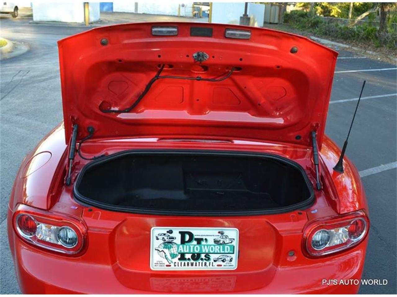 Large Picture of 2011 Mazda Miata - $11,800.00 - KHZE