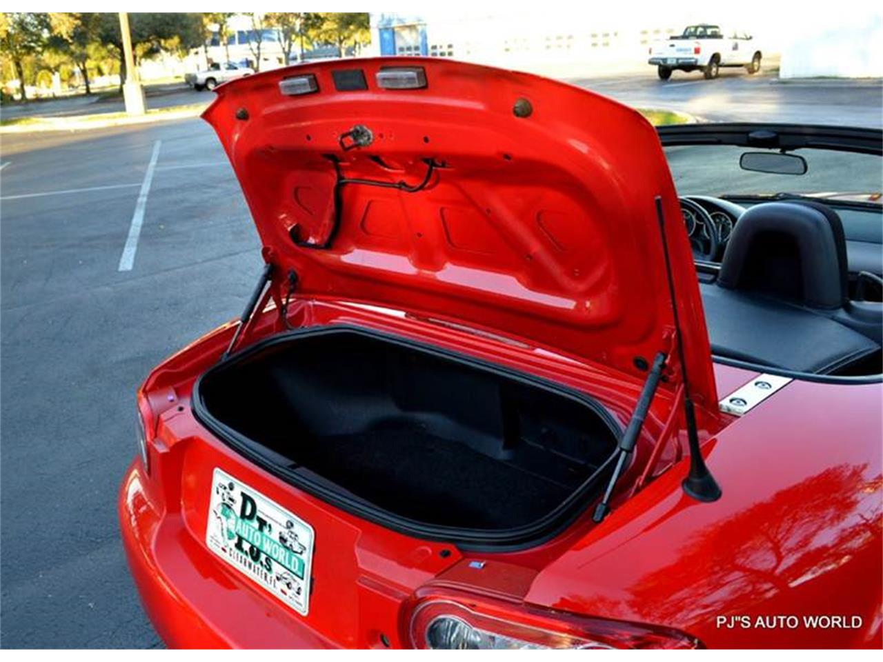 Large Picture of '11 Mazda Miata located in Florida Offered by PJ's Auto World - KHZE