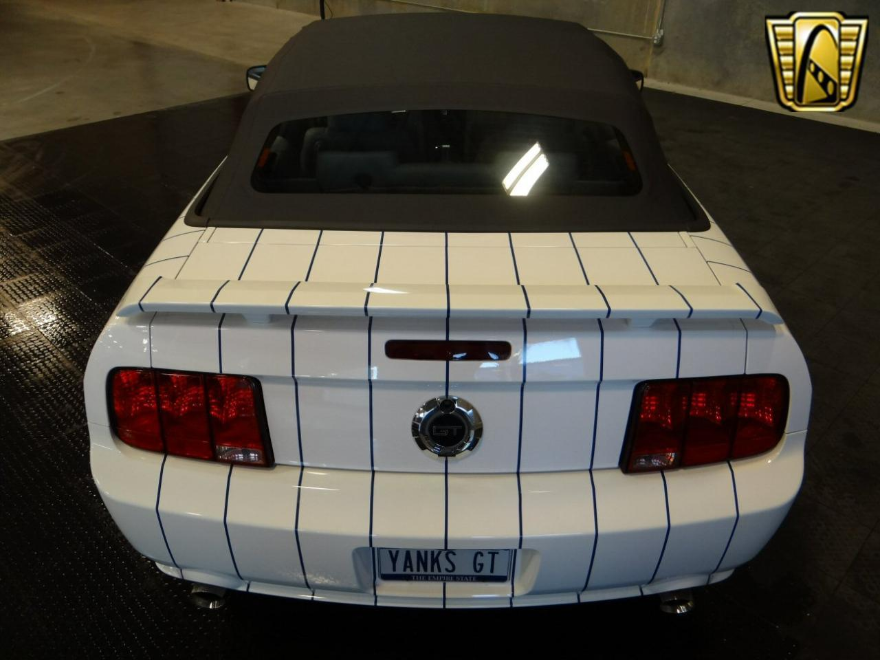 Large Picture of '05 Ford Mustang located in Florida Offered by Gateway Classic Cars - Tampa - KDJ7